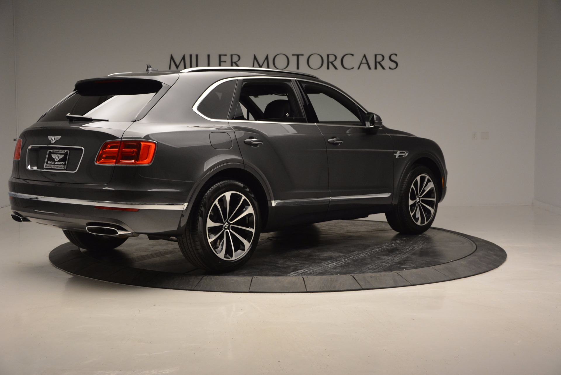 New 2017 Bentley Bentayga  For Sale In Greenwich, CT 755_p8