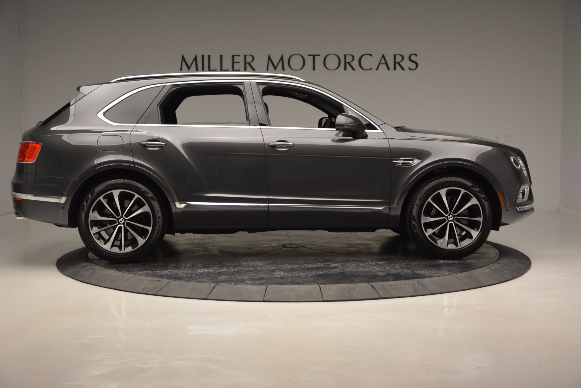 New 2017 Bentley Bentayga  For Sale In Greenwich, CT 755_p9