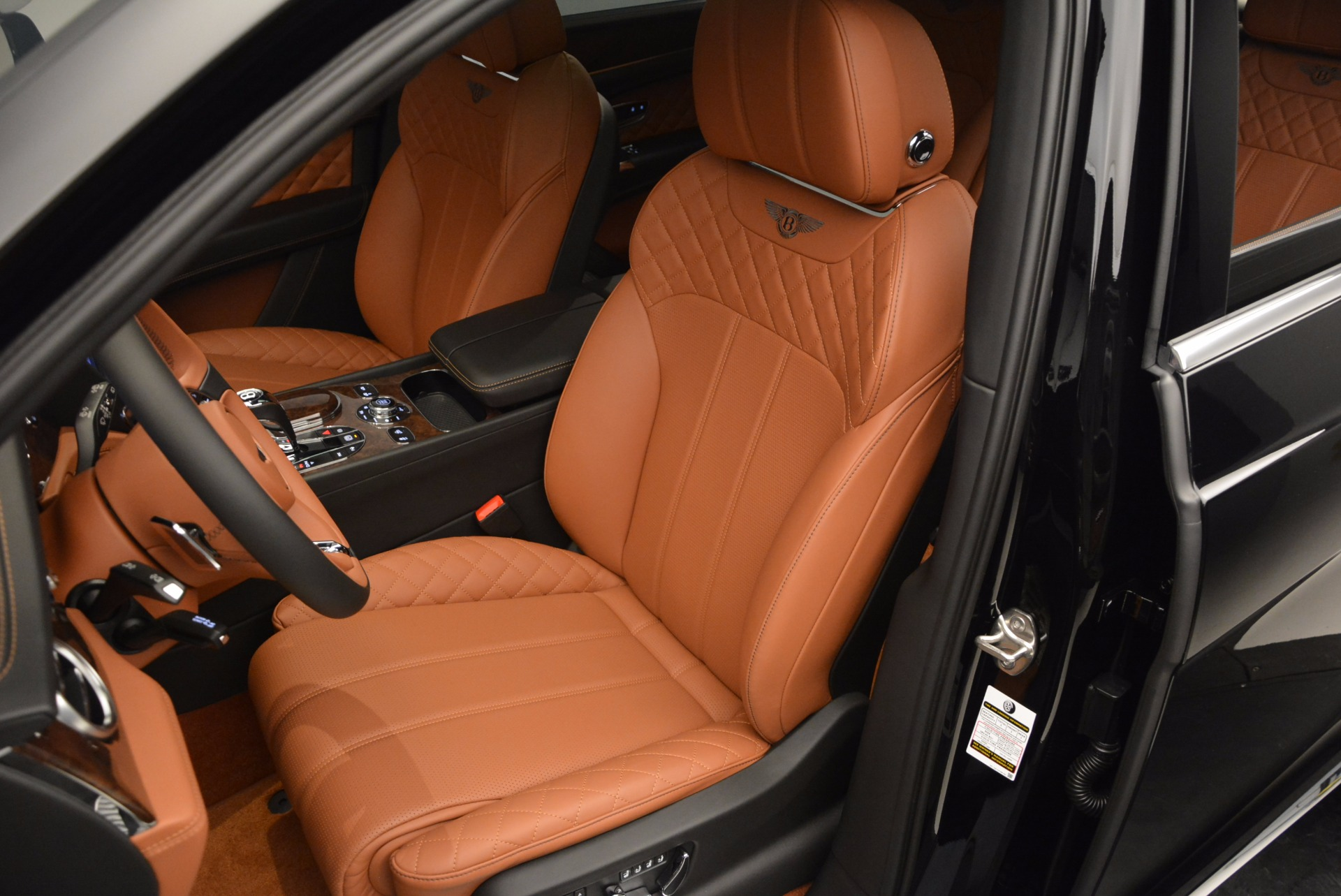 Used 2017 Bentley Bentayga  For Sale In Greenwich, CT 758_p23