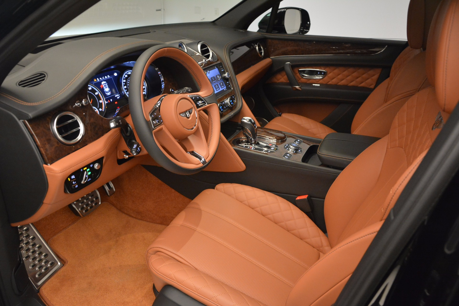Used 2017 Bentley Bentayga  For Sale In Greenwich, CT 758_p25