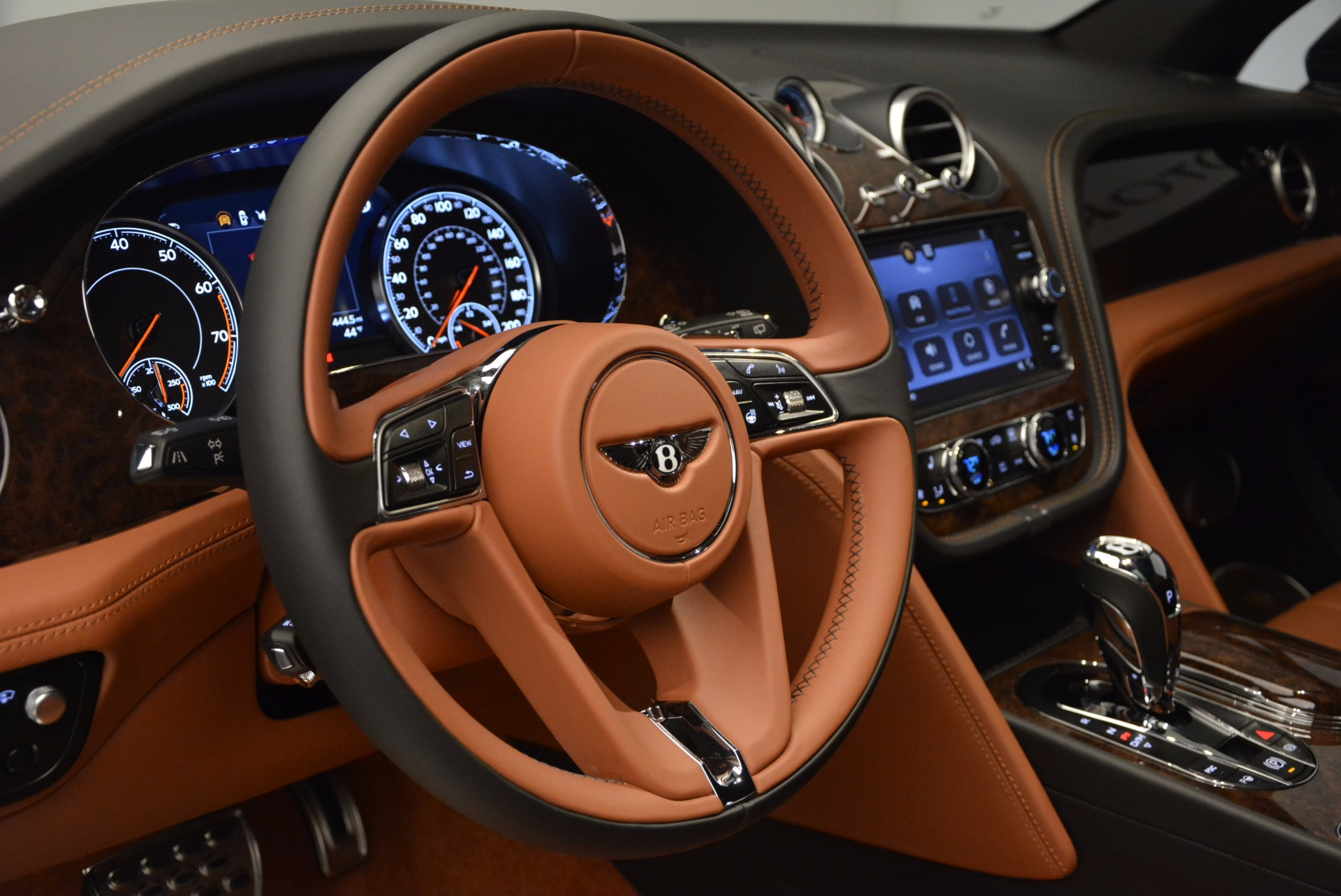Used 2017 Bentley Bentayga  For Sale In Greenwich, CT 758_p26