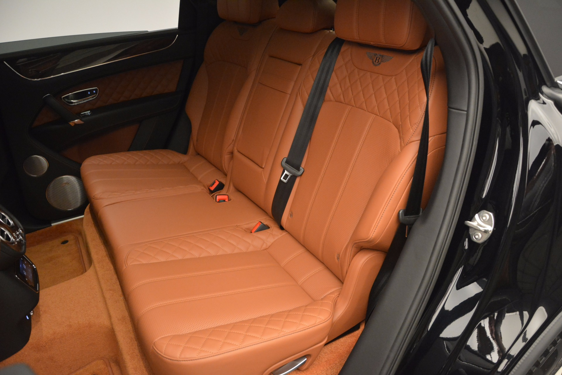 Used 2017 Bentley Bentayga  For Sale In Greenwich, CT 758_p32