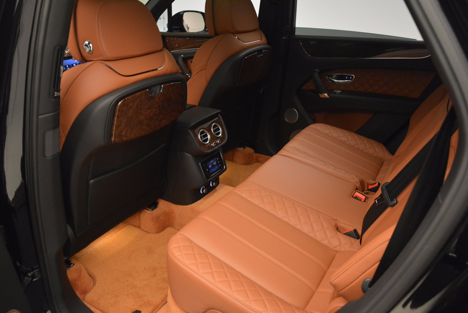 Used 2017 Bentley Bentayga  For Sale In Greenwich, CT 758_p34