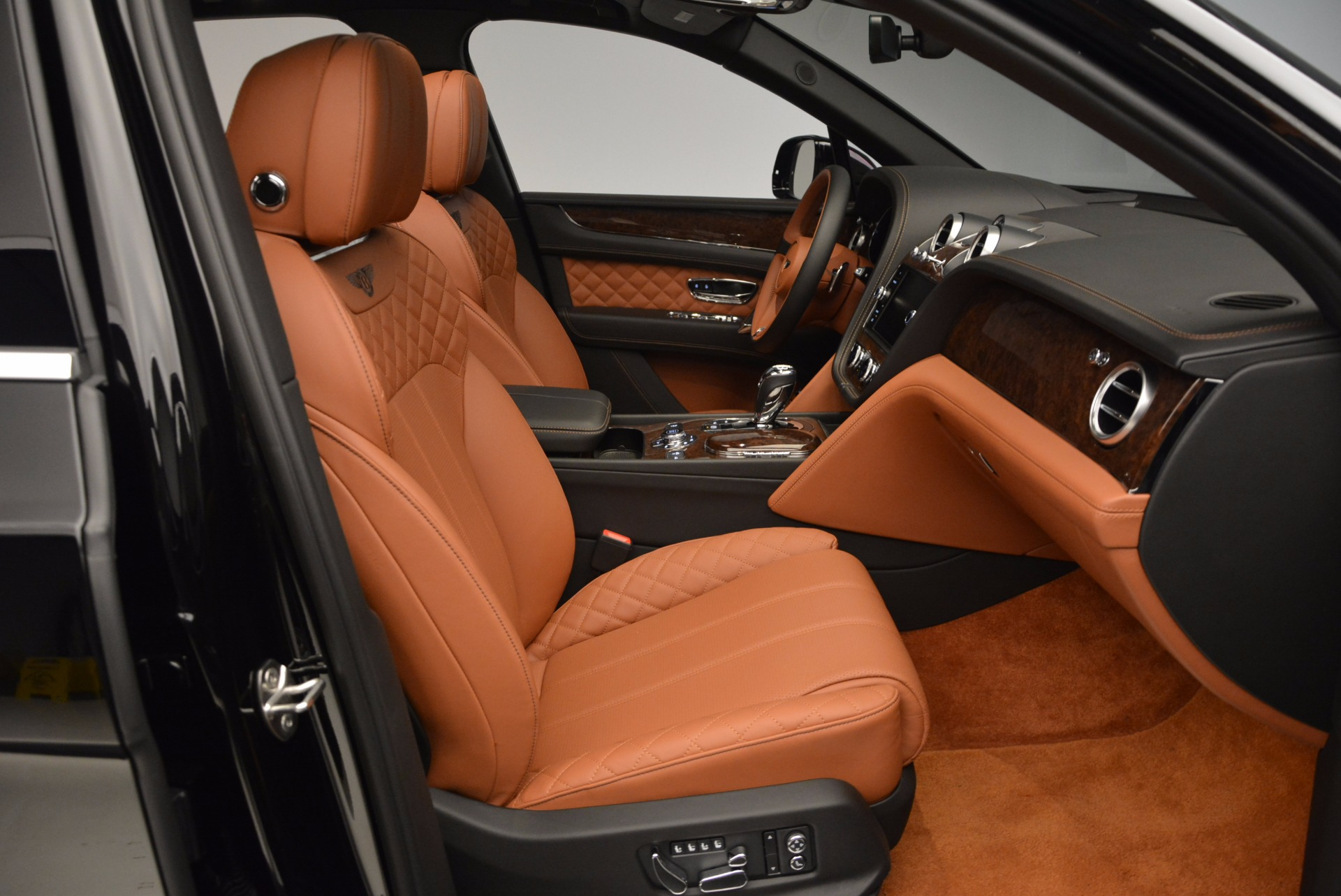 Used 2017 Bentley Bentayga  For Sale In Greenwich, CT 758_p45