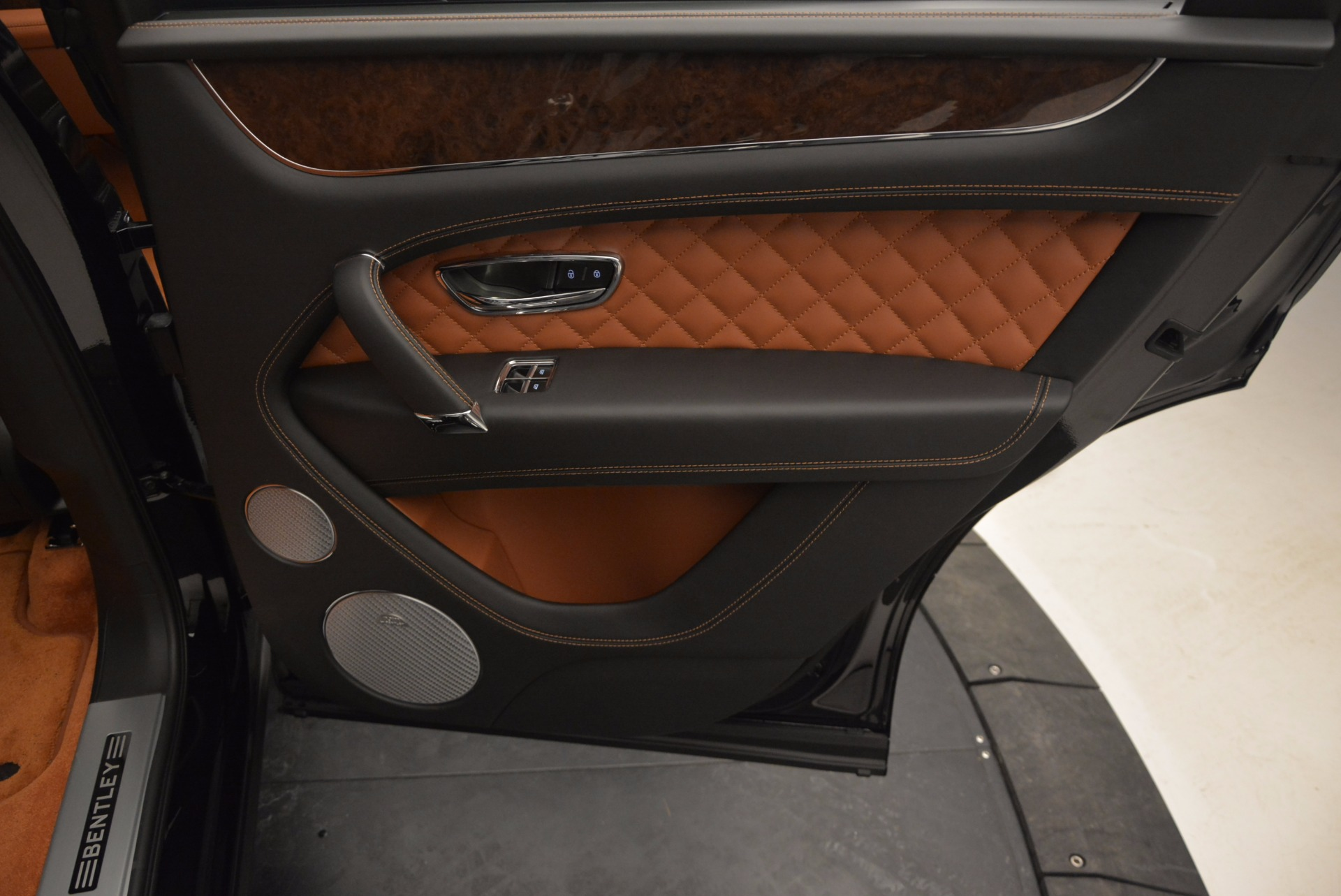 Used 2017 Bentley Bentayga  For Sale In Greenwich, CT 758_p47