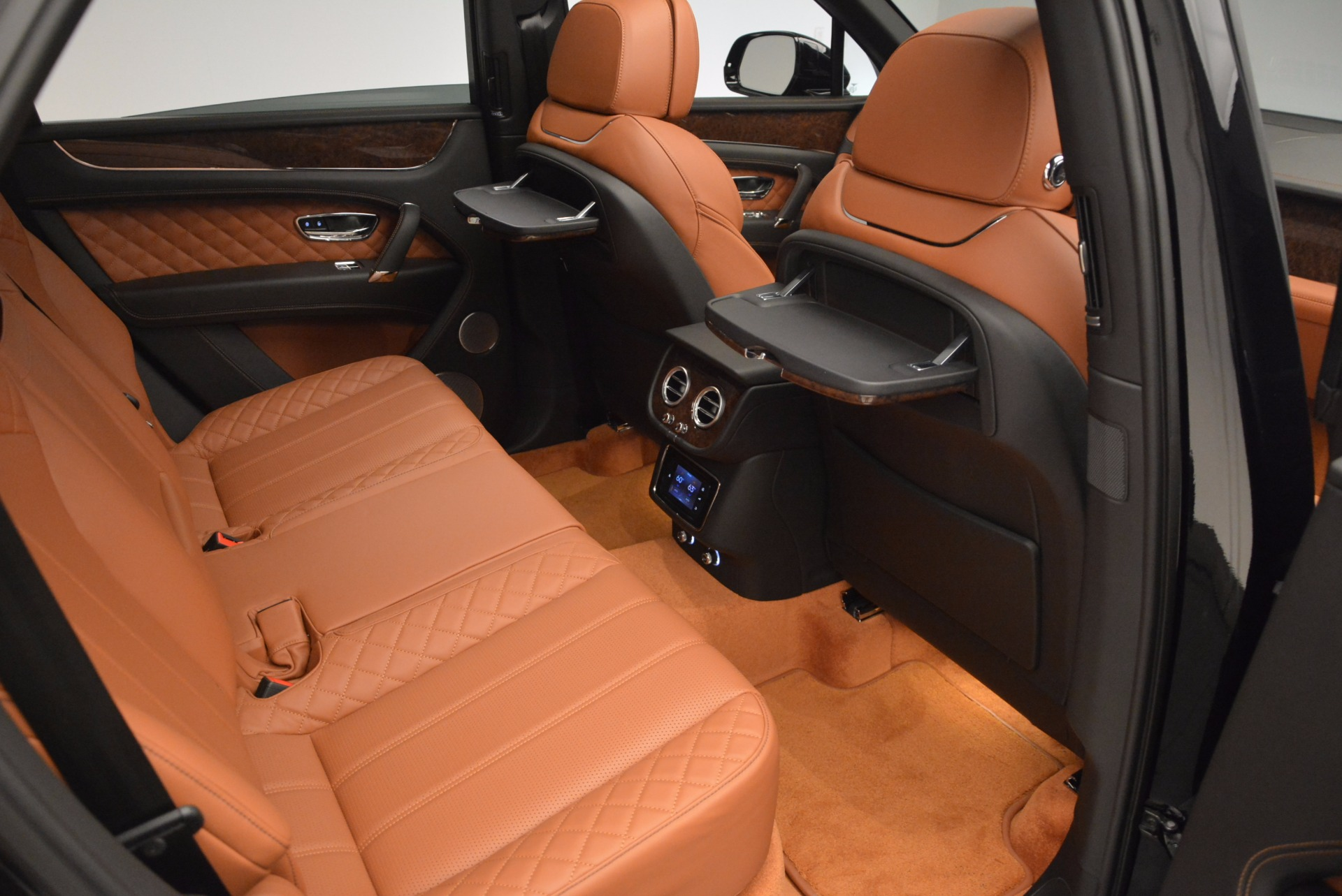 Used 2017 Bentley Bentayga  For Sale In Greenwich, CT 758_p52
