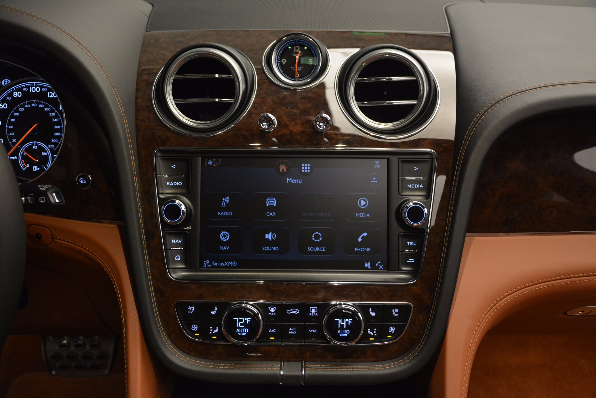 Used 2017 Bentley Bentayga  For Sale In Greenwich, CT 758_p54