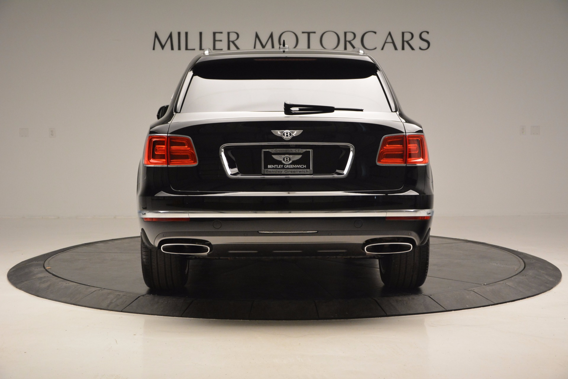 Used 2017 Bentley Bentayga  For Sale In Greenwich, CT 758_p6