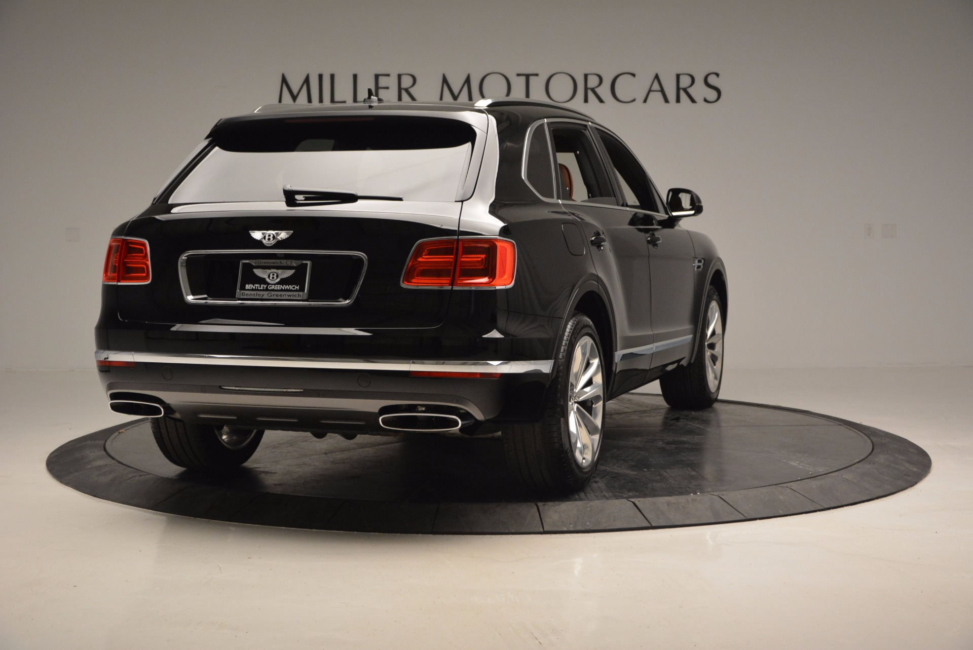 Used 2017 Bentley Bentayga  For Sale In Greenwich, CT 758_p7