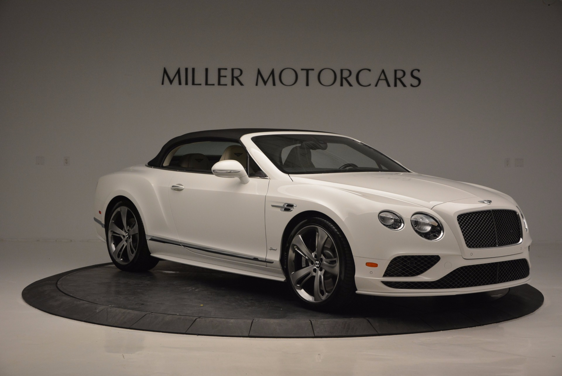 New 2017 Bentley Continental GT Speed Convertible  For Sale In Greenwich, CT 761_p23