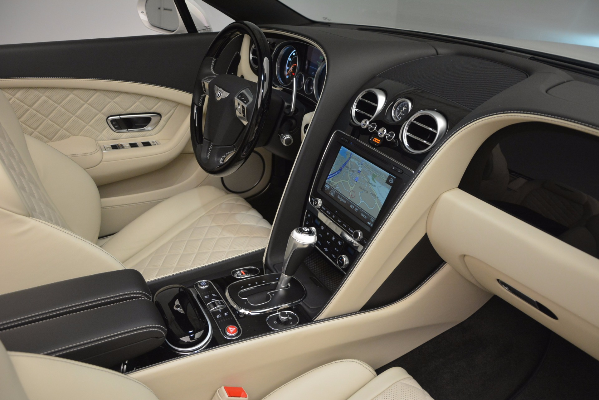New 2017 Bentley Continental GT Speed Convertible  For Sale In Greenwich, CT 761_p46