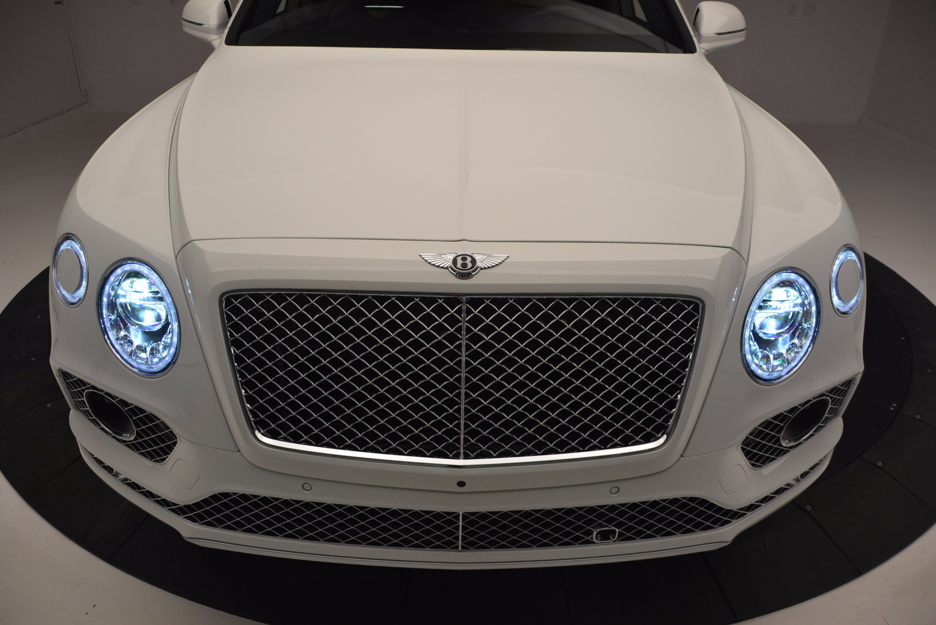New 2017 Bentley Bentayga  For Sale In Greenwich, CT 794_p17