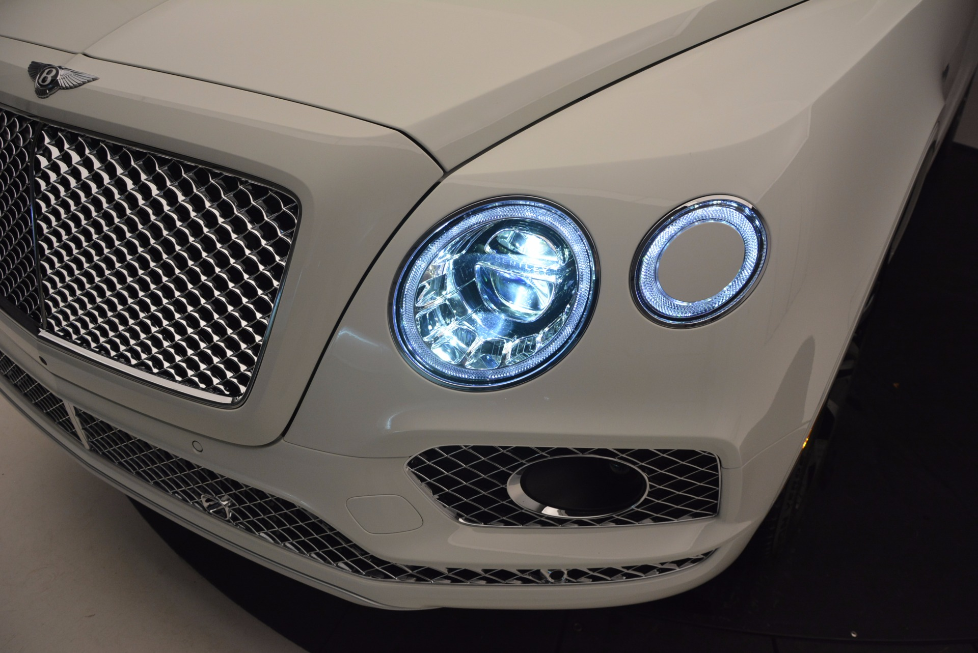 New 2017 Bentley Bentayga  For Sale In Greenwich, CT 794_p18