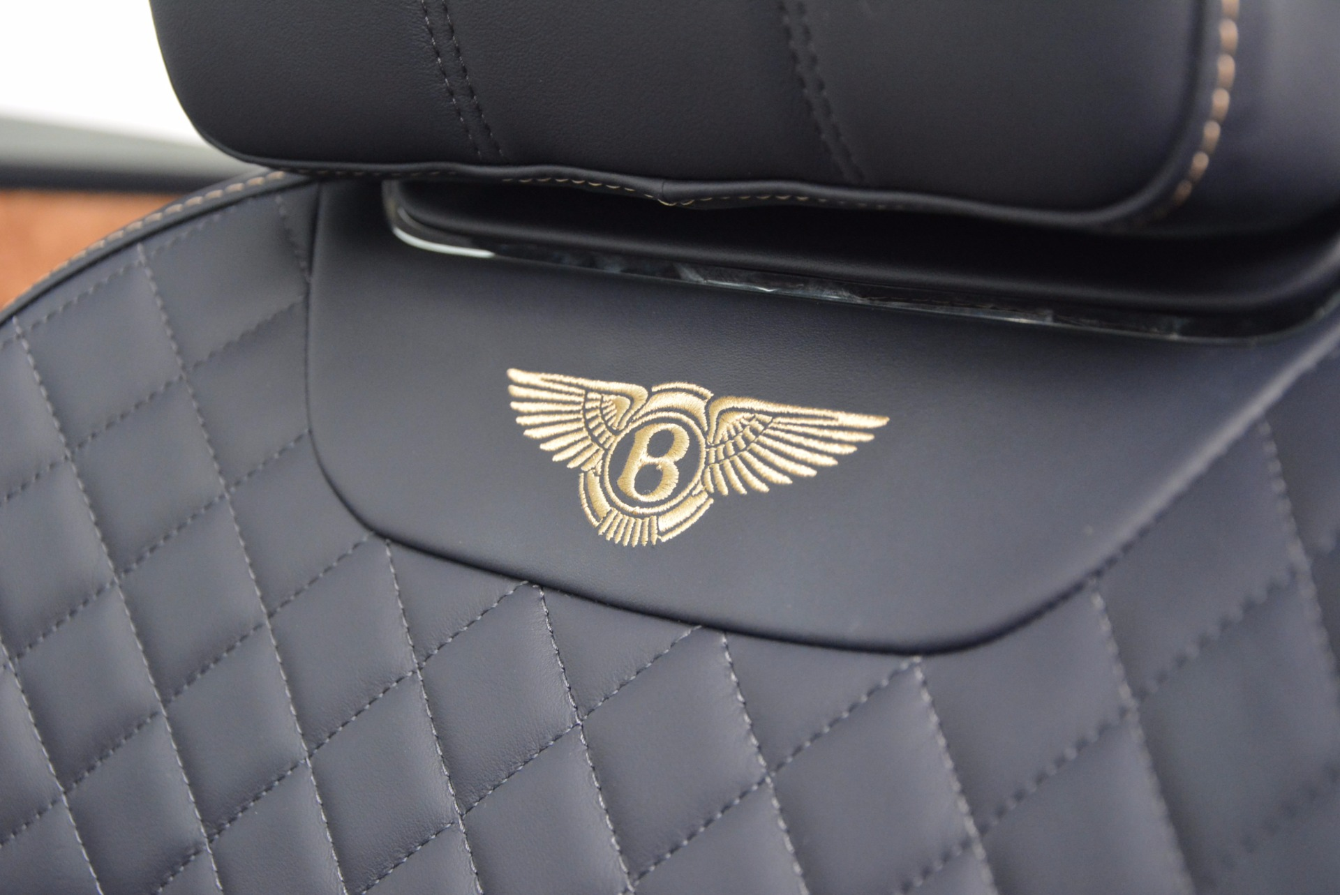 New 2017 Bentley Bentayga  For Sale In Greenwich, CT 794_p29