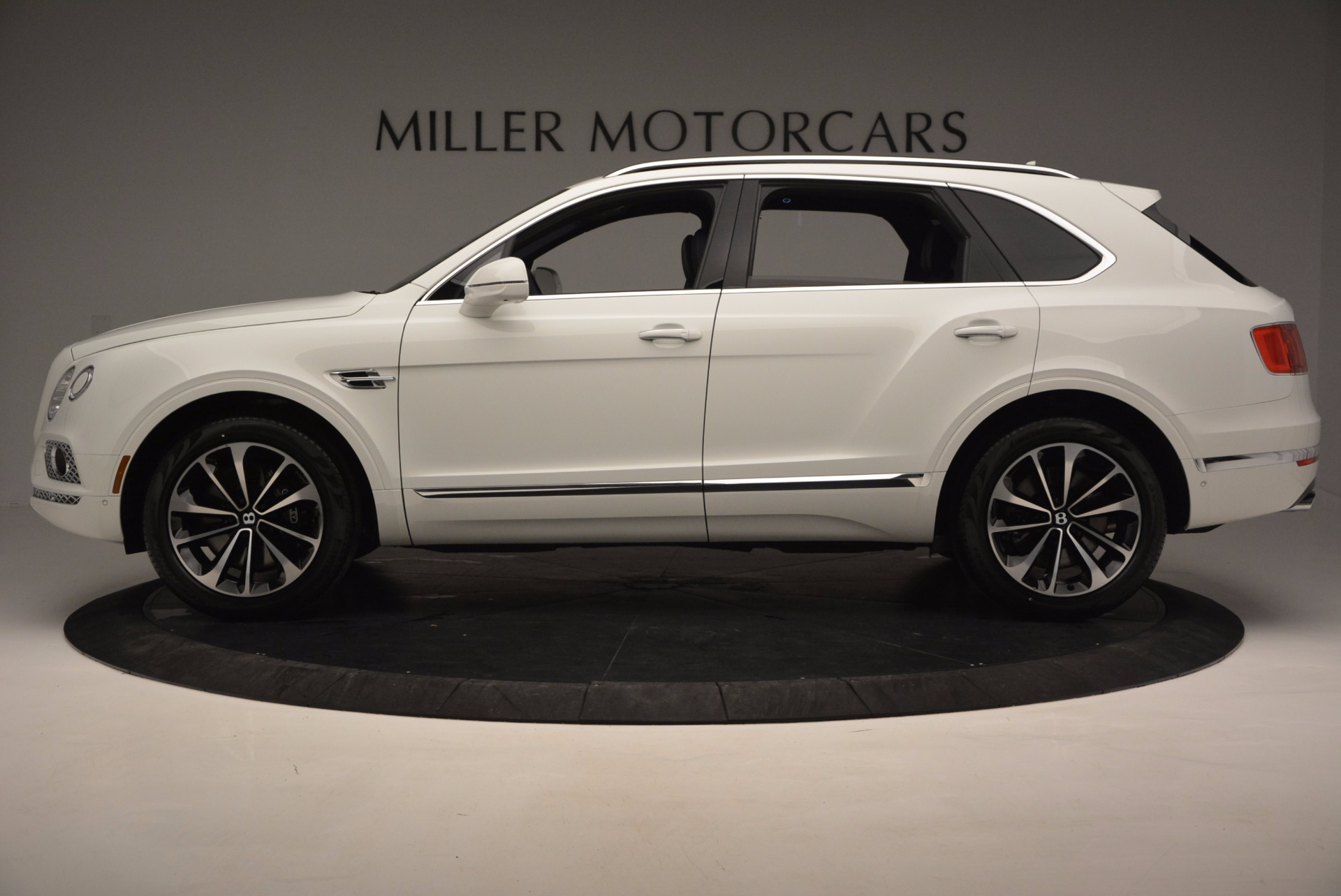 New 2017 Bentley Bentayga  For Sale In Greenwich, CT 794_p3