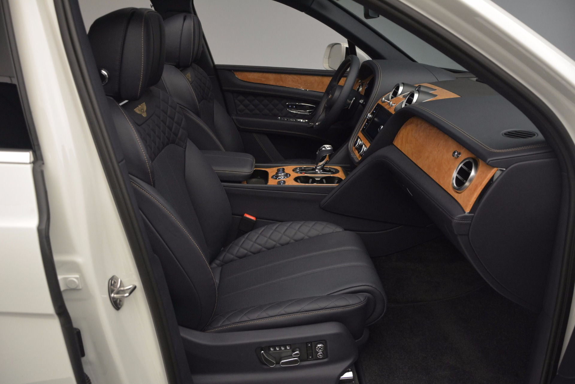 New 2017 Bentley Bentayga  For Sale In Greenwich, CT 794_p40