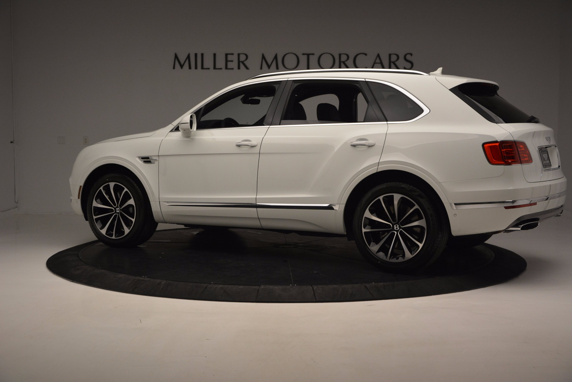 New 2017 Bentley Bentayga  For Sale In Greenwich, CT 794_p4