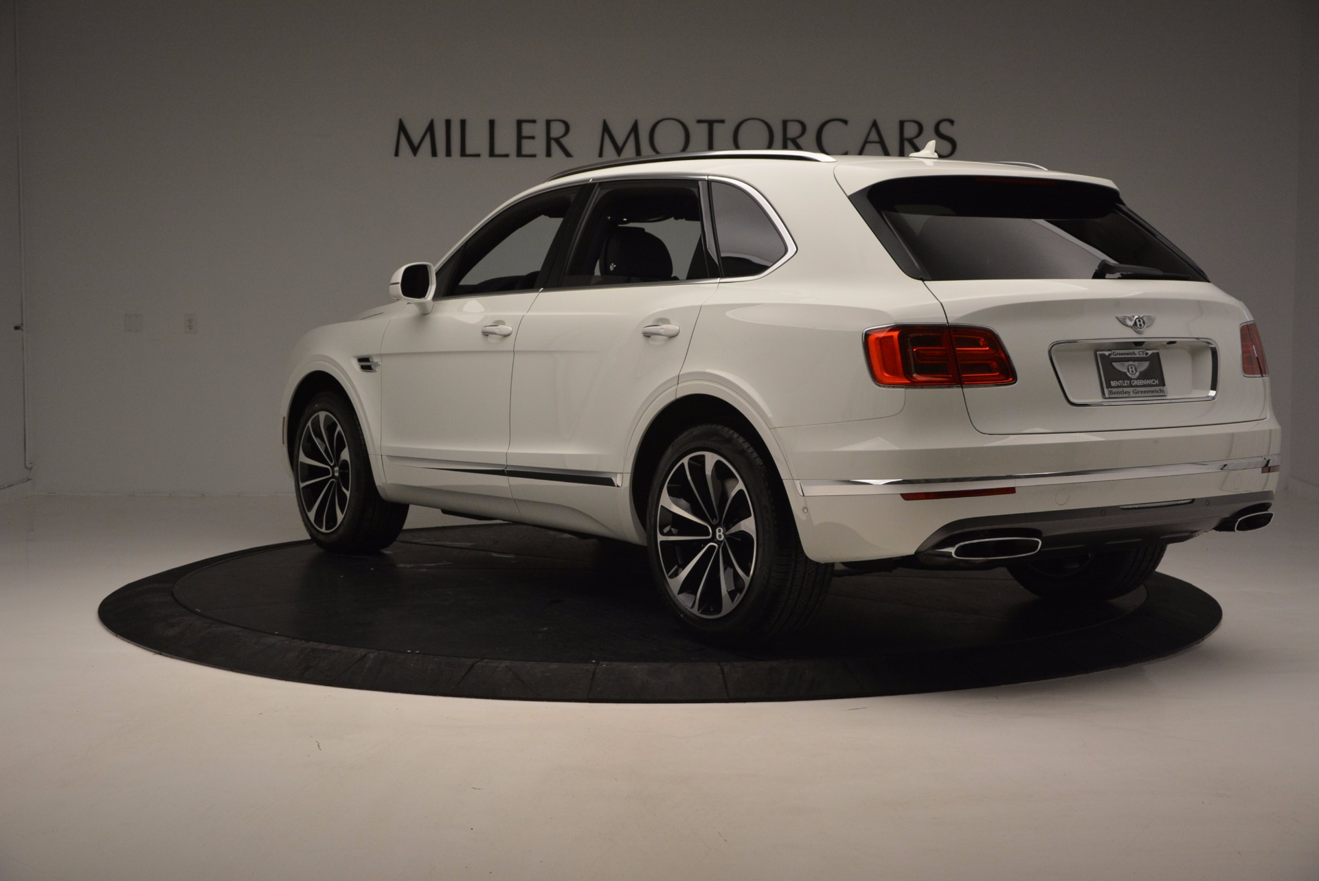 New 2017 Bentley Bentayga  For Sale In Greenwich, CT 794_p5