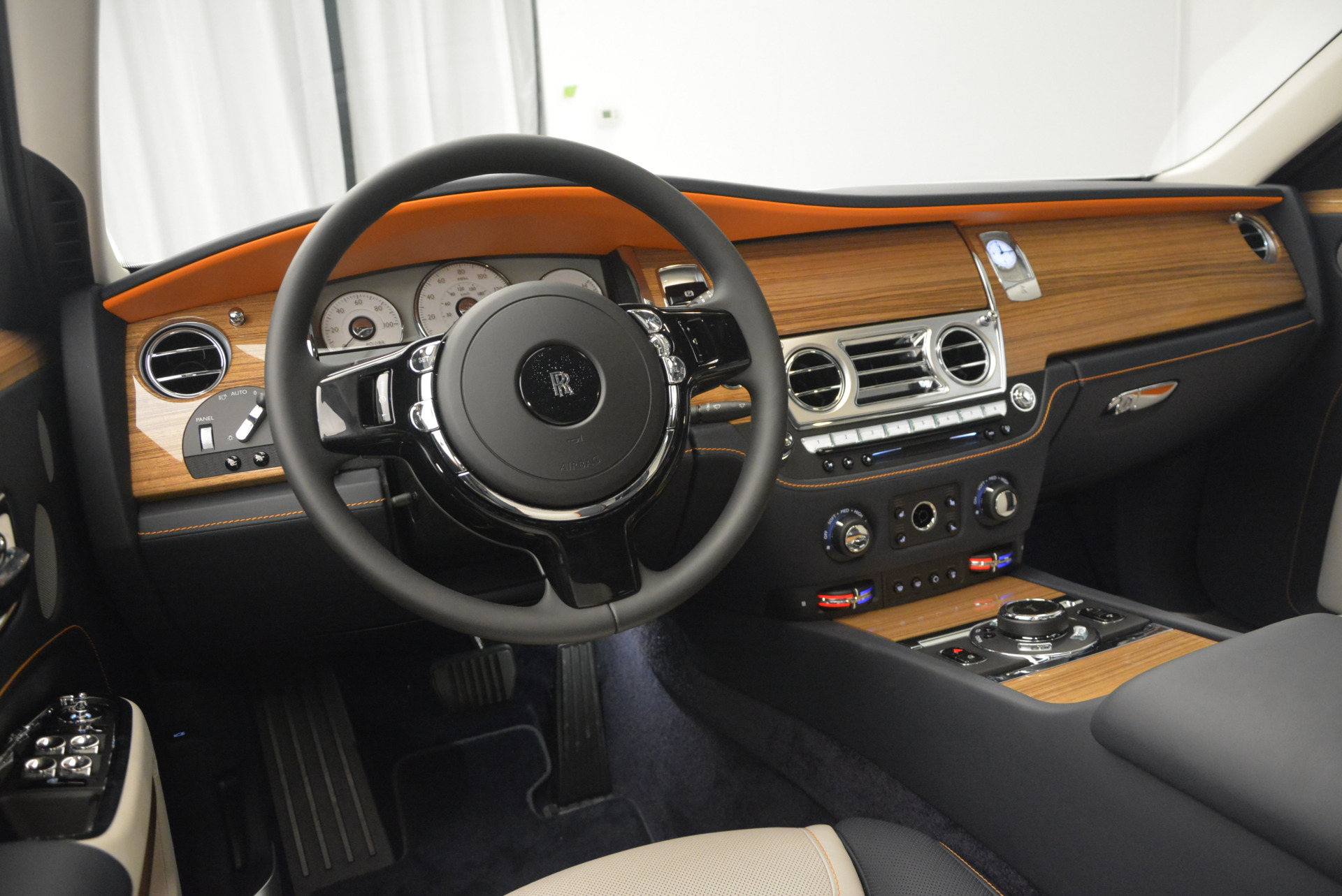 New 2017 Rolls-Royce Ghost  For Sale In Greenwich, CT 801_p19