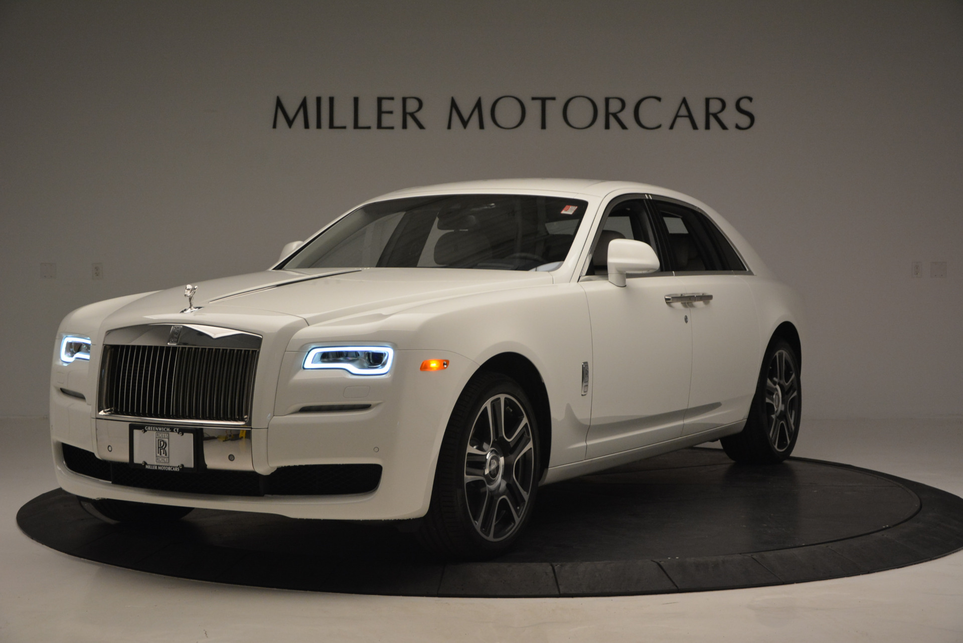 New 2017 Rolls-Royce Ghost  For Sale In Greenwich, CT 801_p2