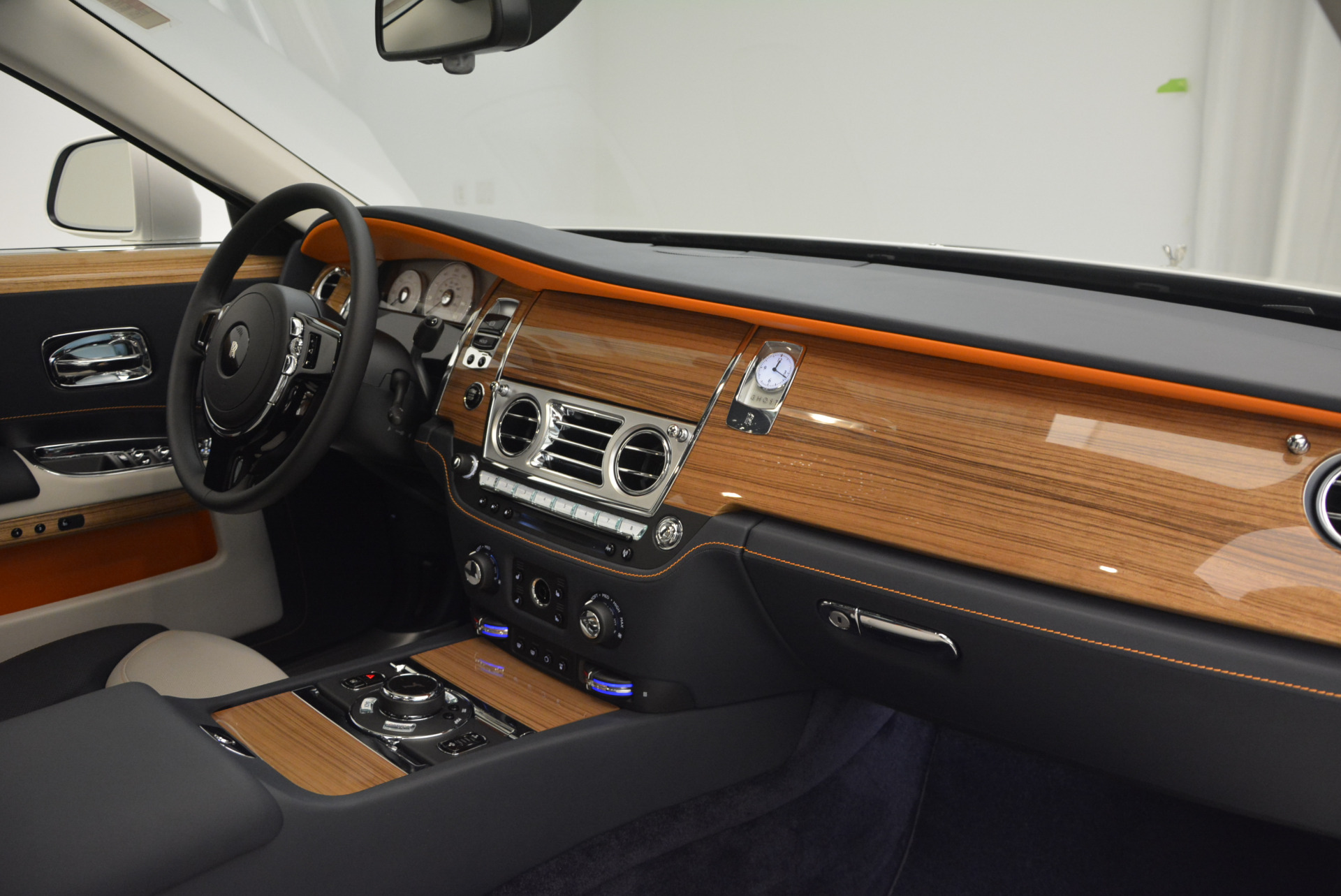 New 2017 Rolls-Royce Ghost  For Sale In Greenwich, CT 801_p30