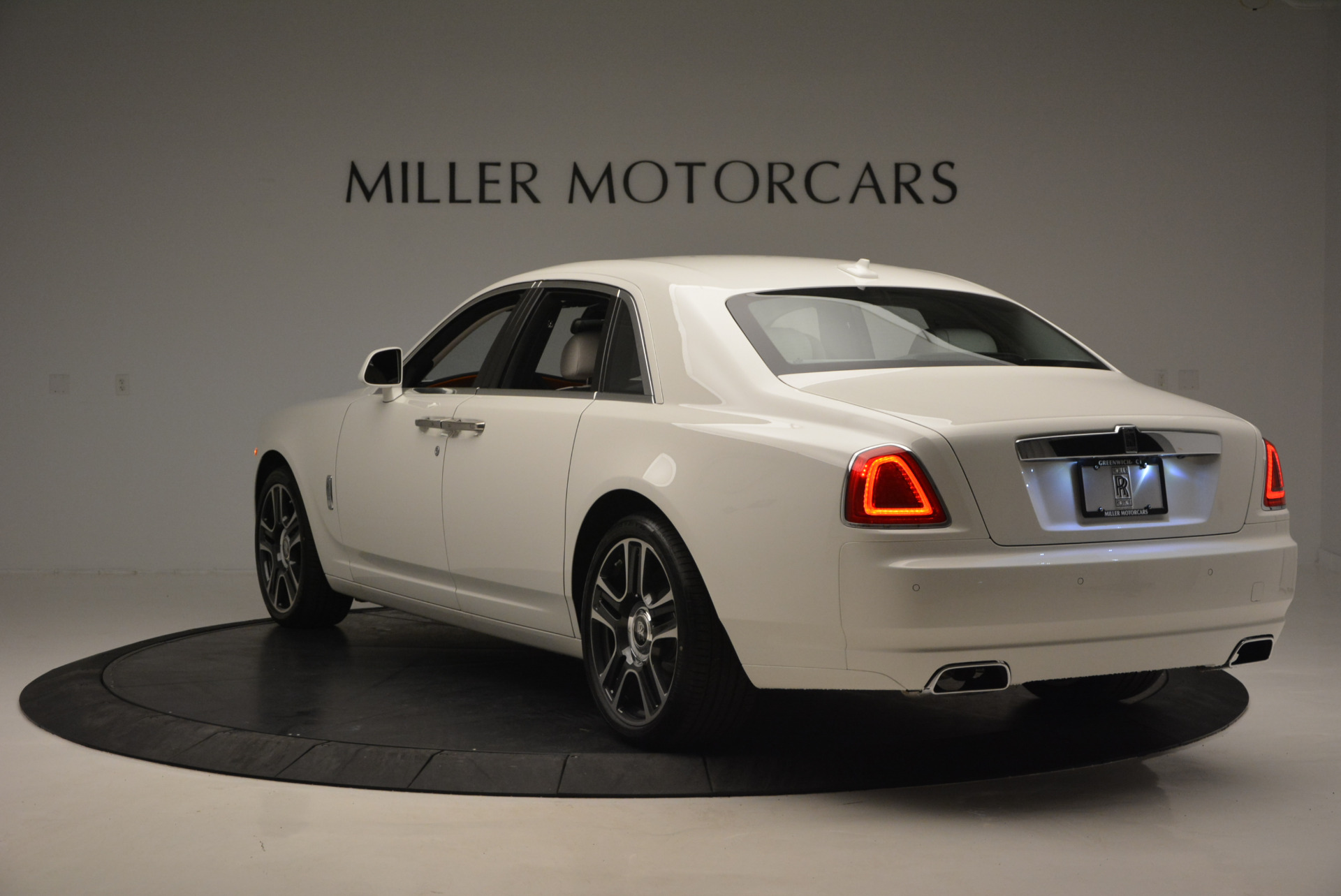 New 2017 Rolls-Royce Ghost  For Sale In Greenwich, CT 801_p5