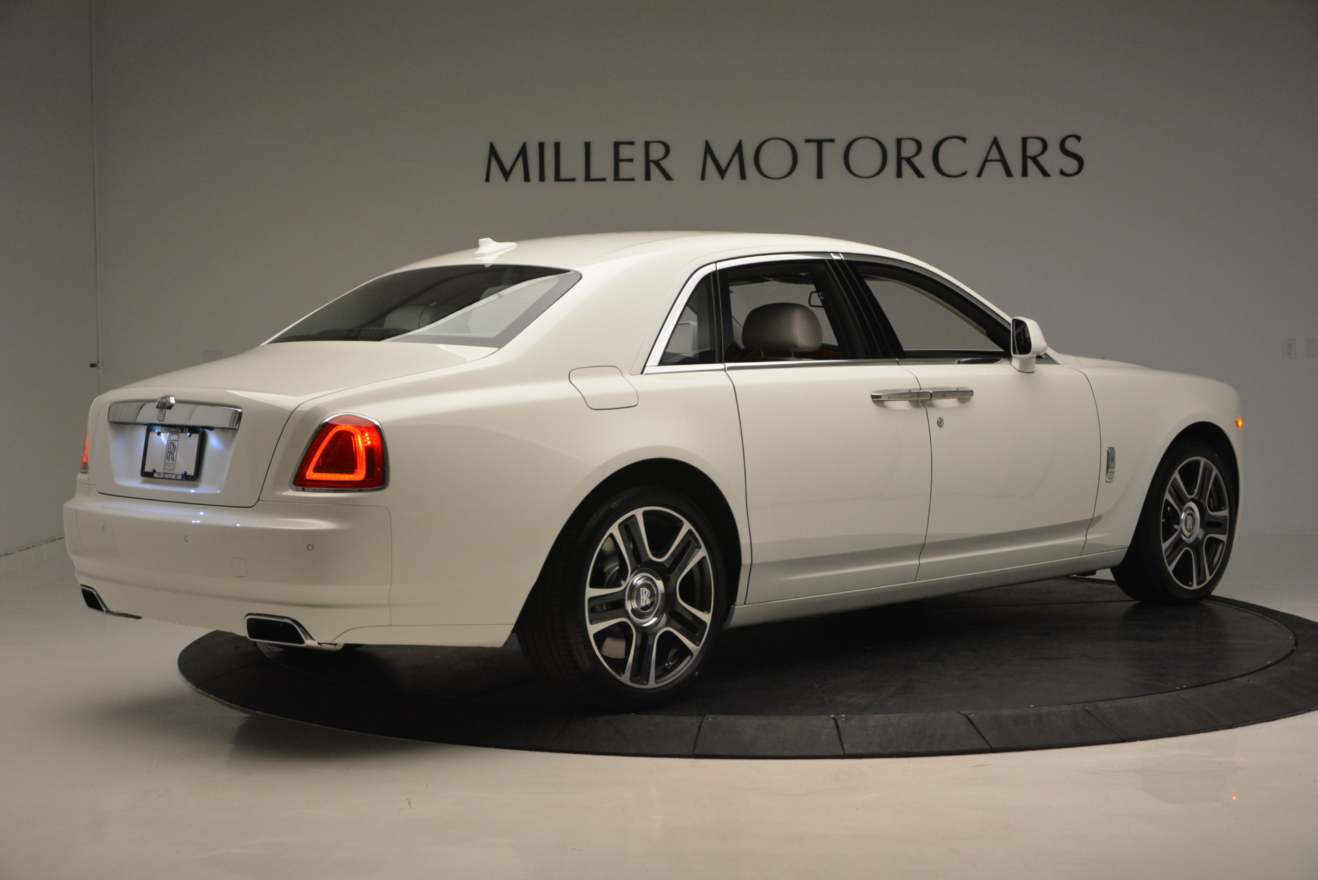 New 2017 Rolls-Royce Ghost  For Sale In Greenwich, CT 801_p8