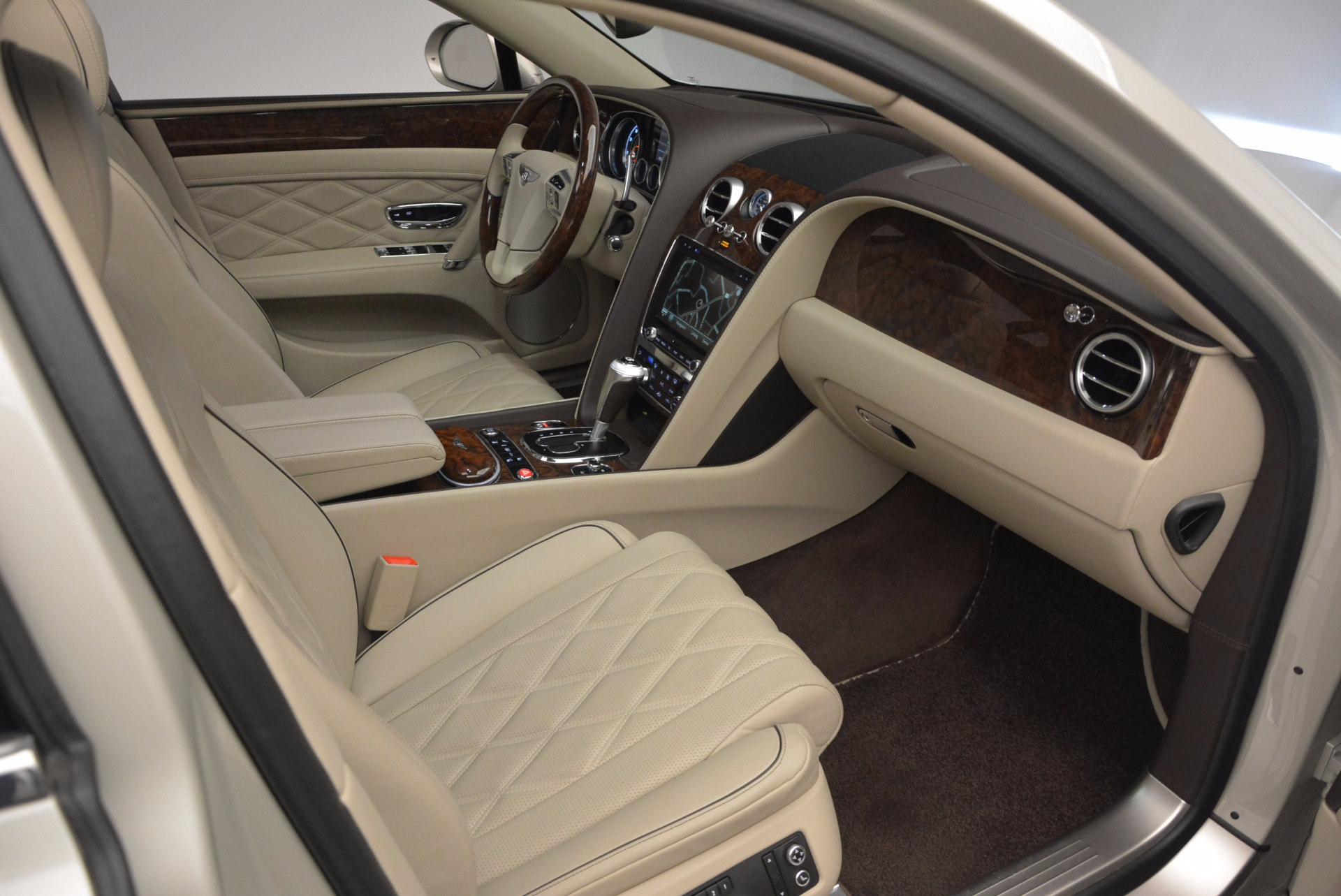 Used 2016 Bentley Flying Spur W12  For Sale In Greenwich, CT 804_p47