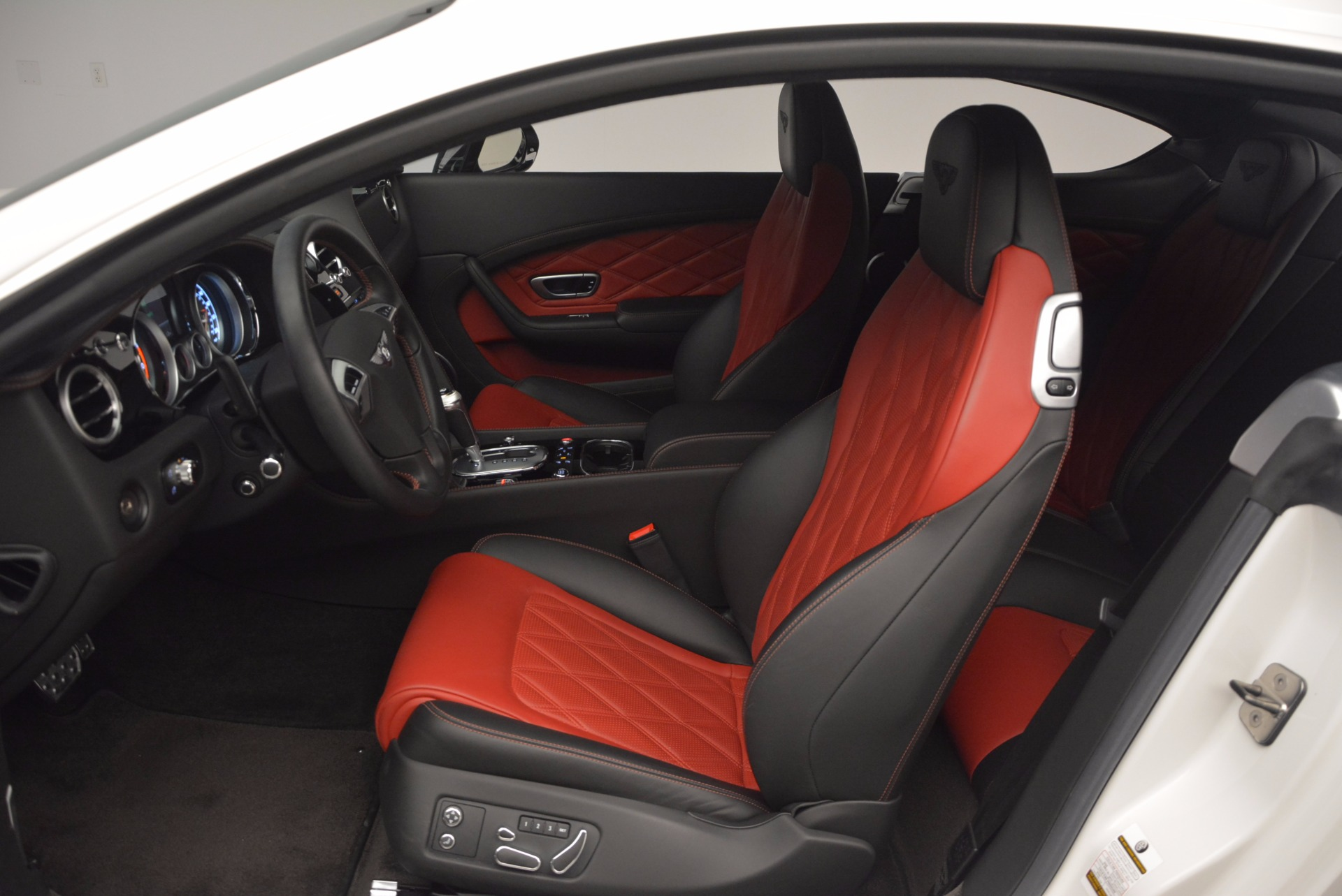 Used 2014 Bentley Continental GT V8 S For Sale In Greenwich, CT 806_p26