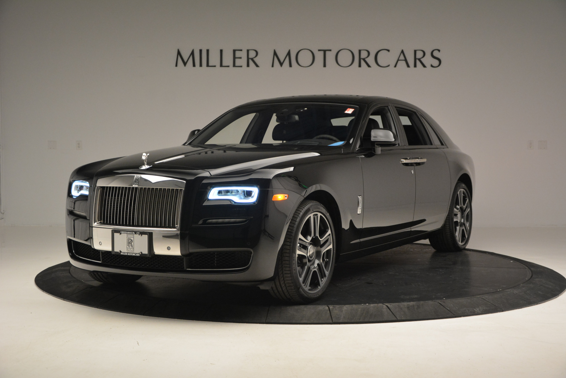 New 2017 Rolls-Royce Ghost  For Sale In Greenwich, CT 808_p2