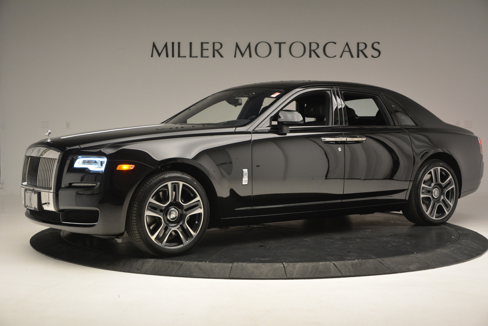 New 2017 Rolls-Royce Ghost  For Sale In Greenwich, CT 808_p3