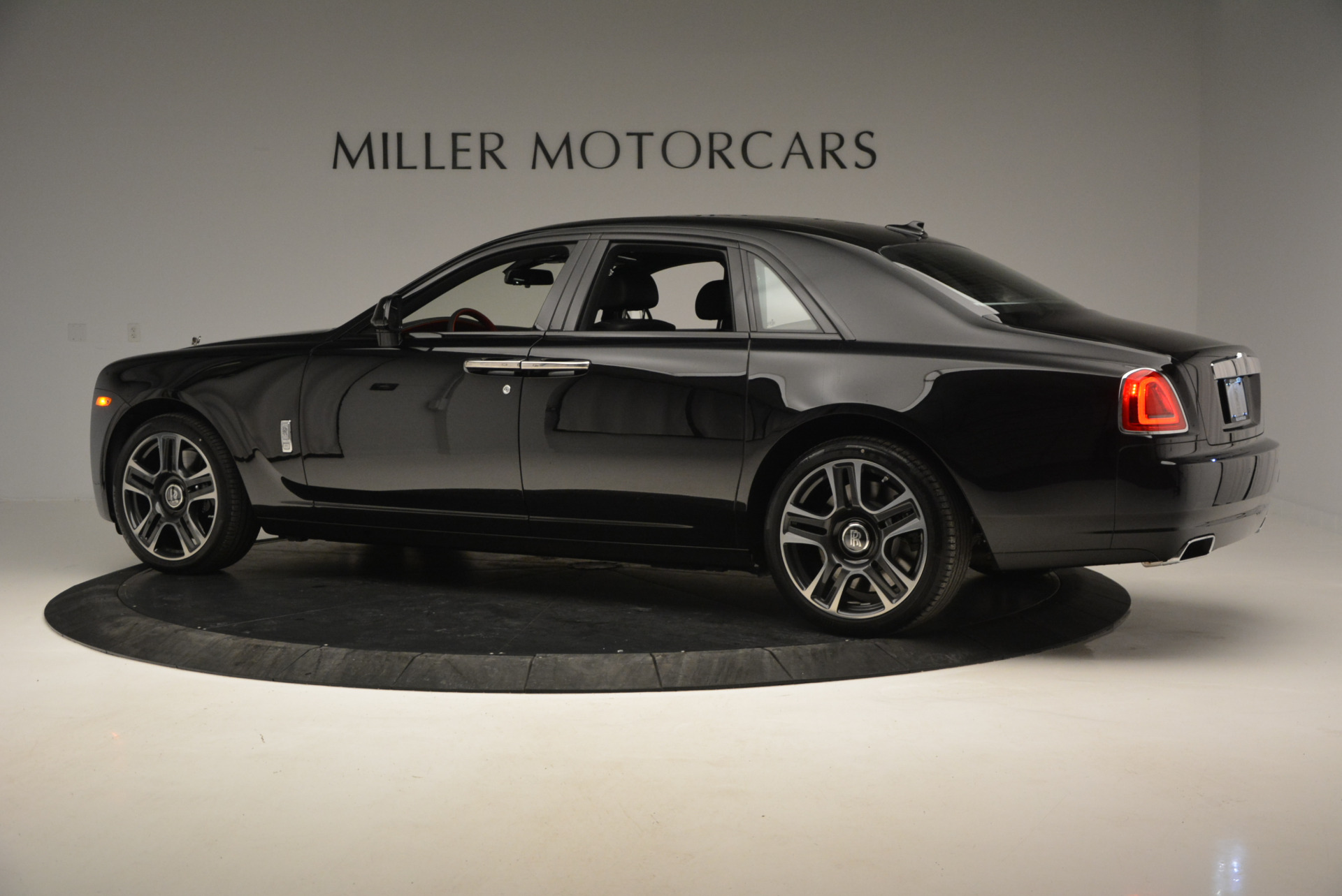 New 2017 Rolls-Royce Ghost  For Sale In Greenwich, CT 808_p5