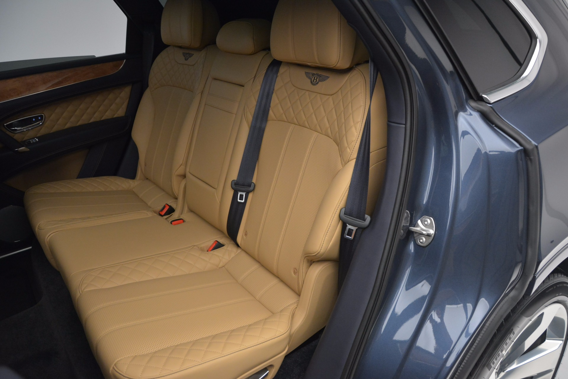 New 2017 Bentley Bentayga  For Sale In Greenwich, CT 810_p30