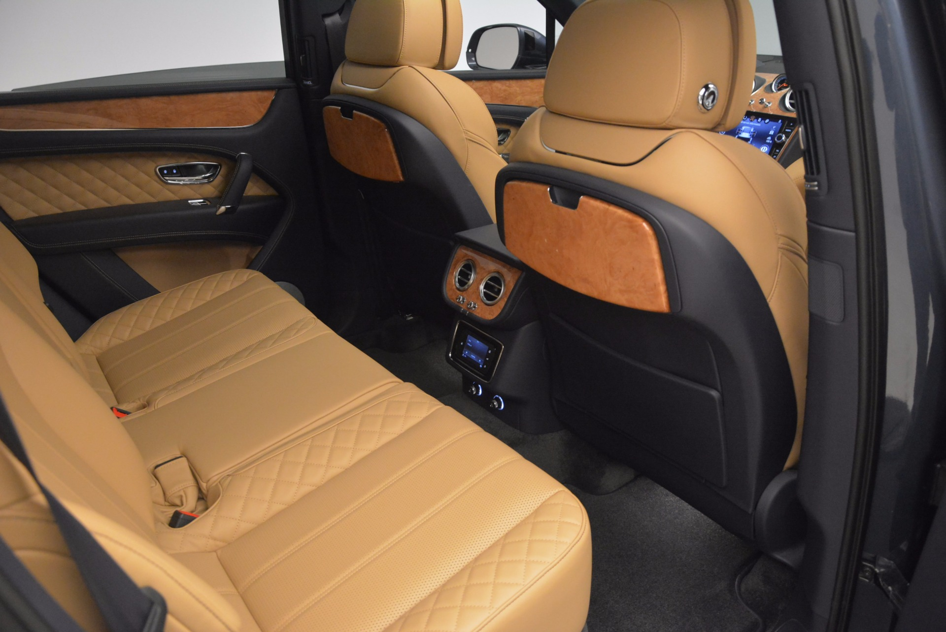 New 2017 Bentley Bentayga  For Sale In Greenwich, CT 810_p37