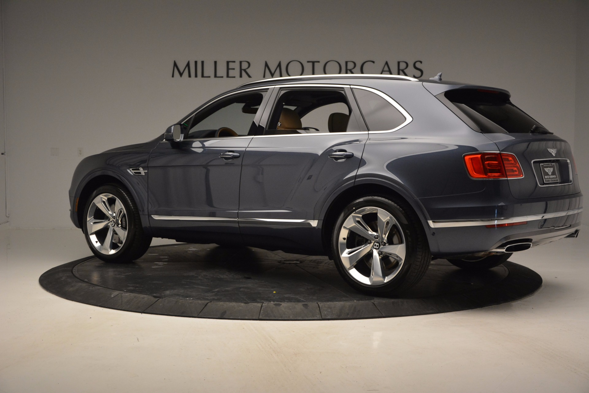 New 2017 Bentley Bentayga  For Sale In Greenwich, CT 810_p4