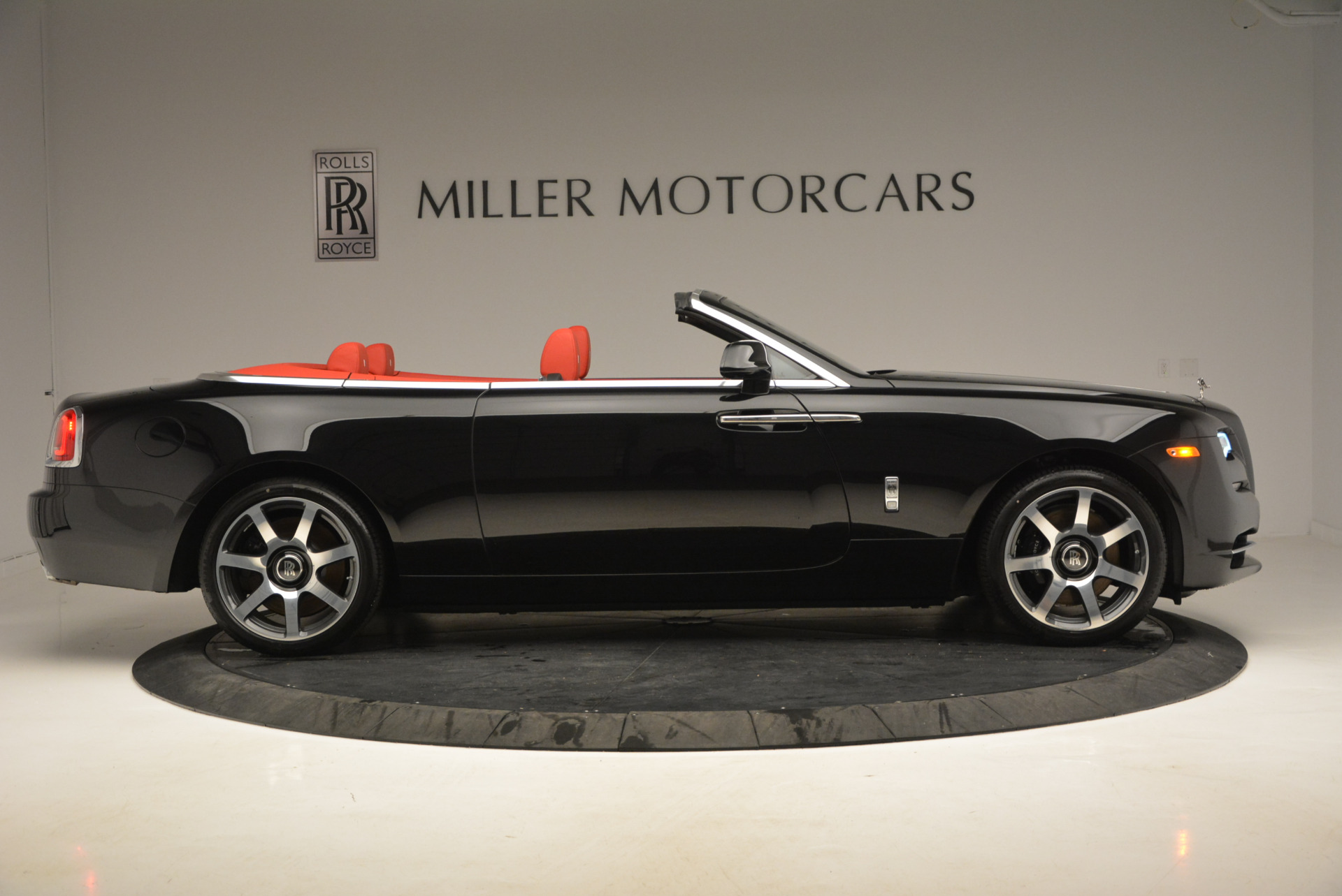 New 2017 Rolls-Royce Dawn  For Sale In Greenwich, CT 814_p17
