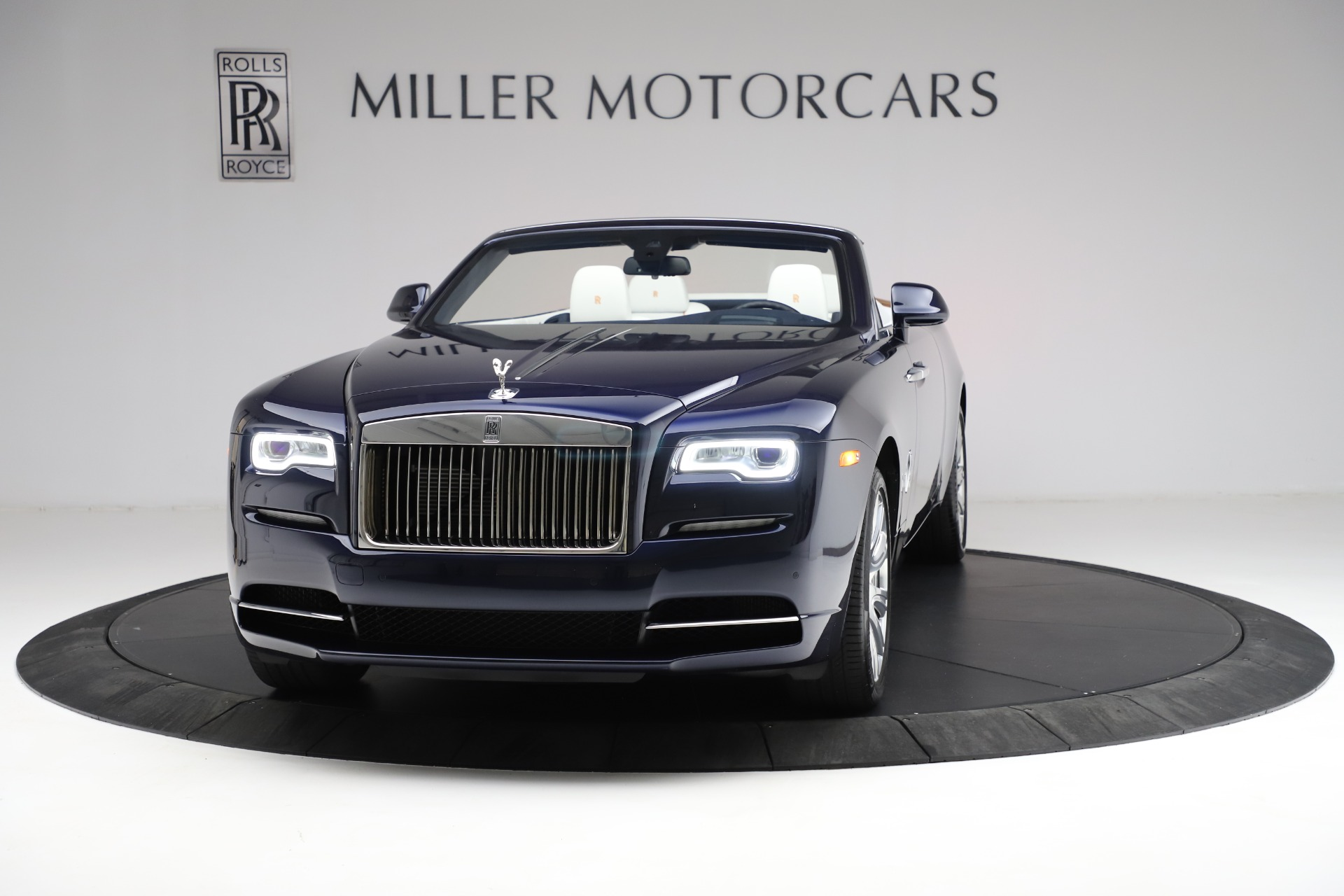 New 2017 Rolls-Royce Dawn  For Sale In Greenwich, CT 815_p2
