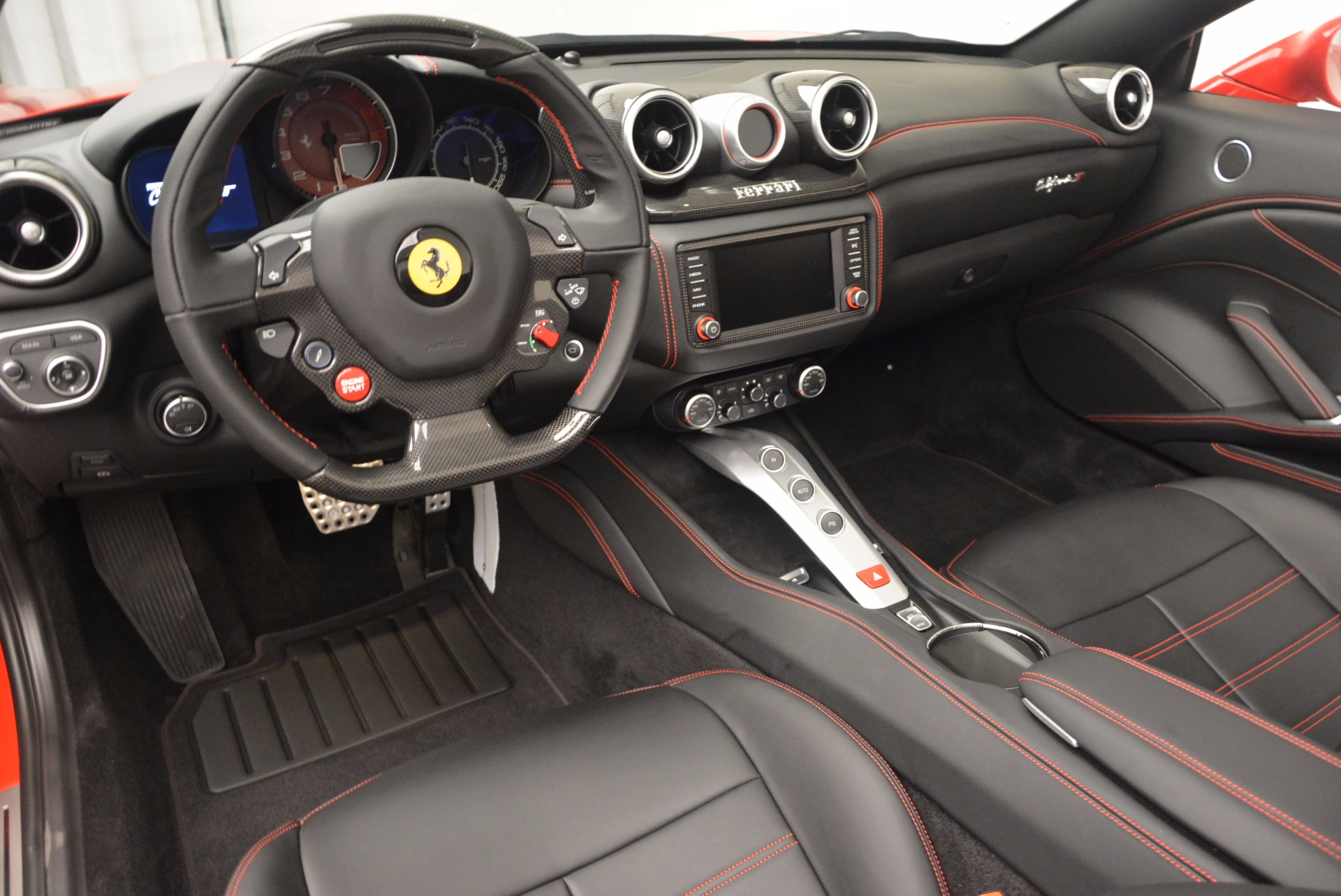 Used 2016 Ferrari California T Handling Speciale For Sale In Greenwich, CT 818_p25