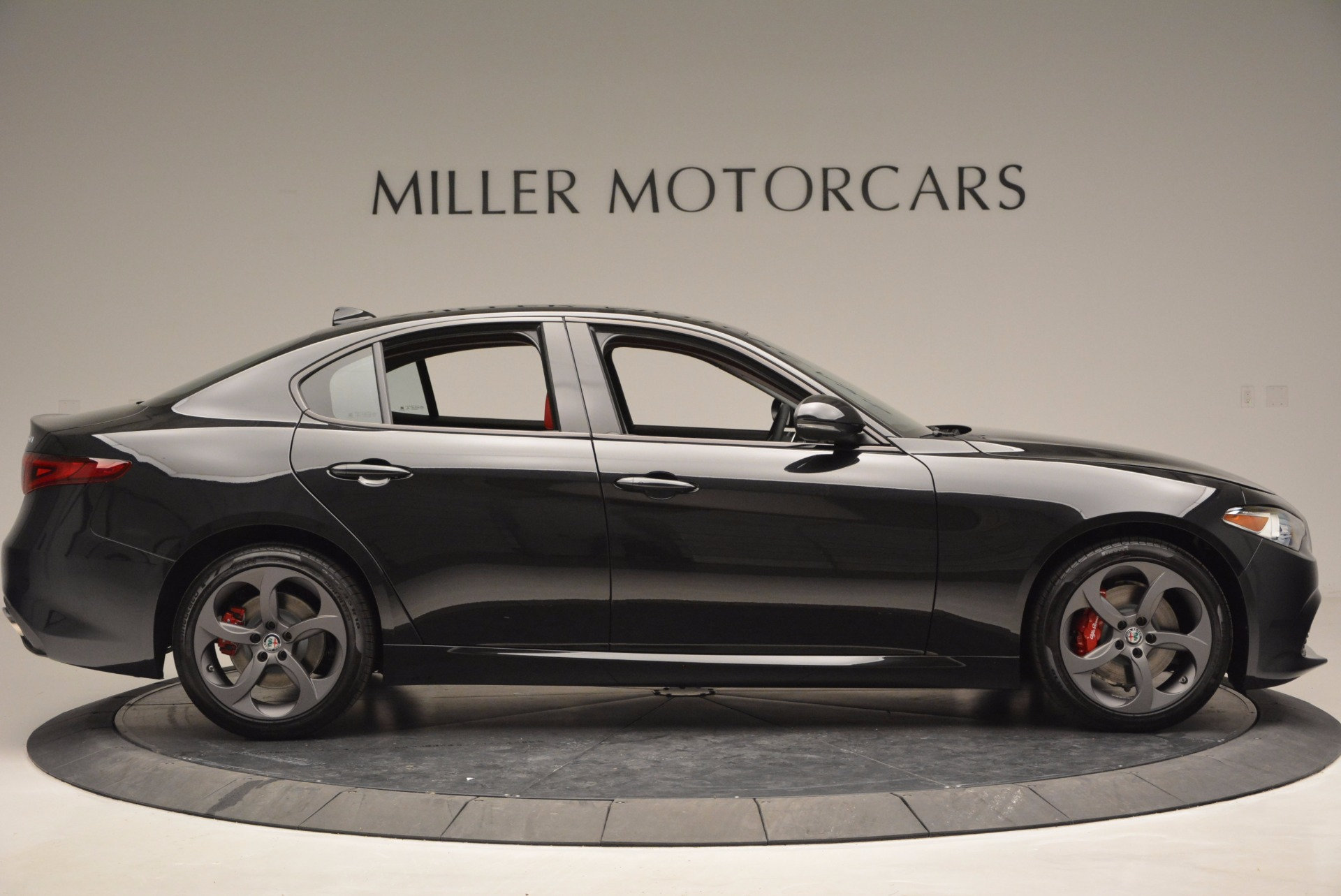 New 2017 Alfa Romeo Giulia Q4 For Sale In Greenwich, CT 825_p9