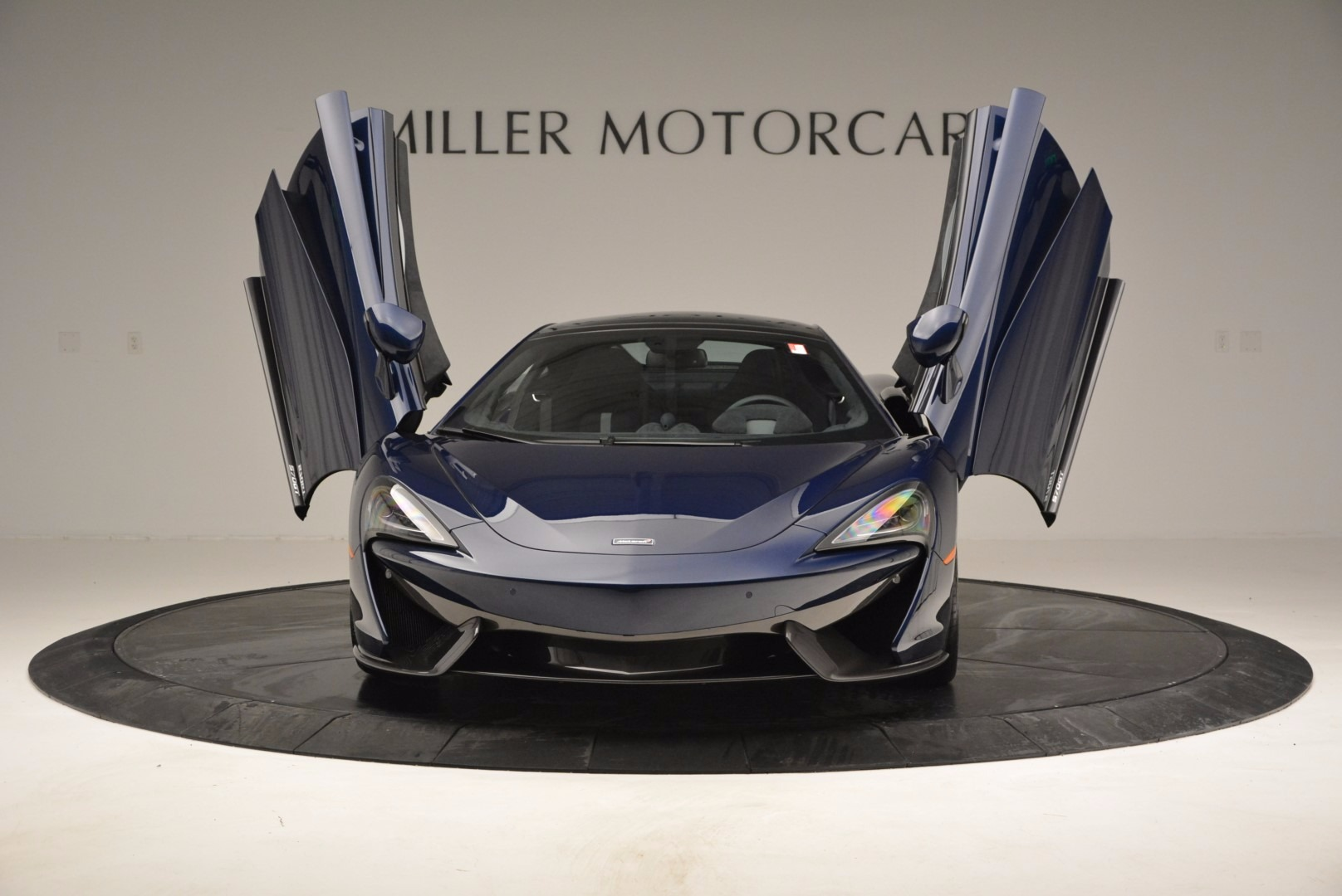 New 2017 McLaren 570GT  For Sale In Greenwich, CT 832_p13
