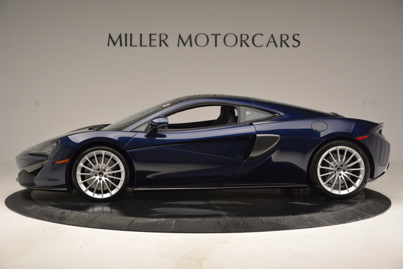 New 2017 McLaren 570GT  For Sale In Greenwich, CT 832_p3