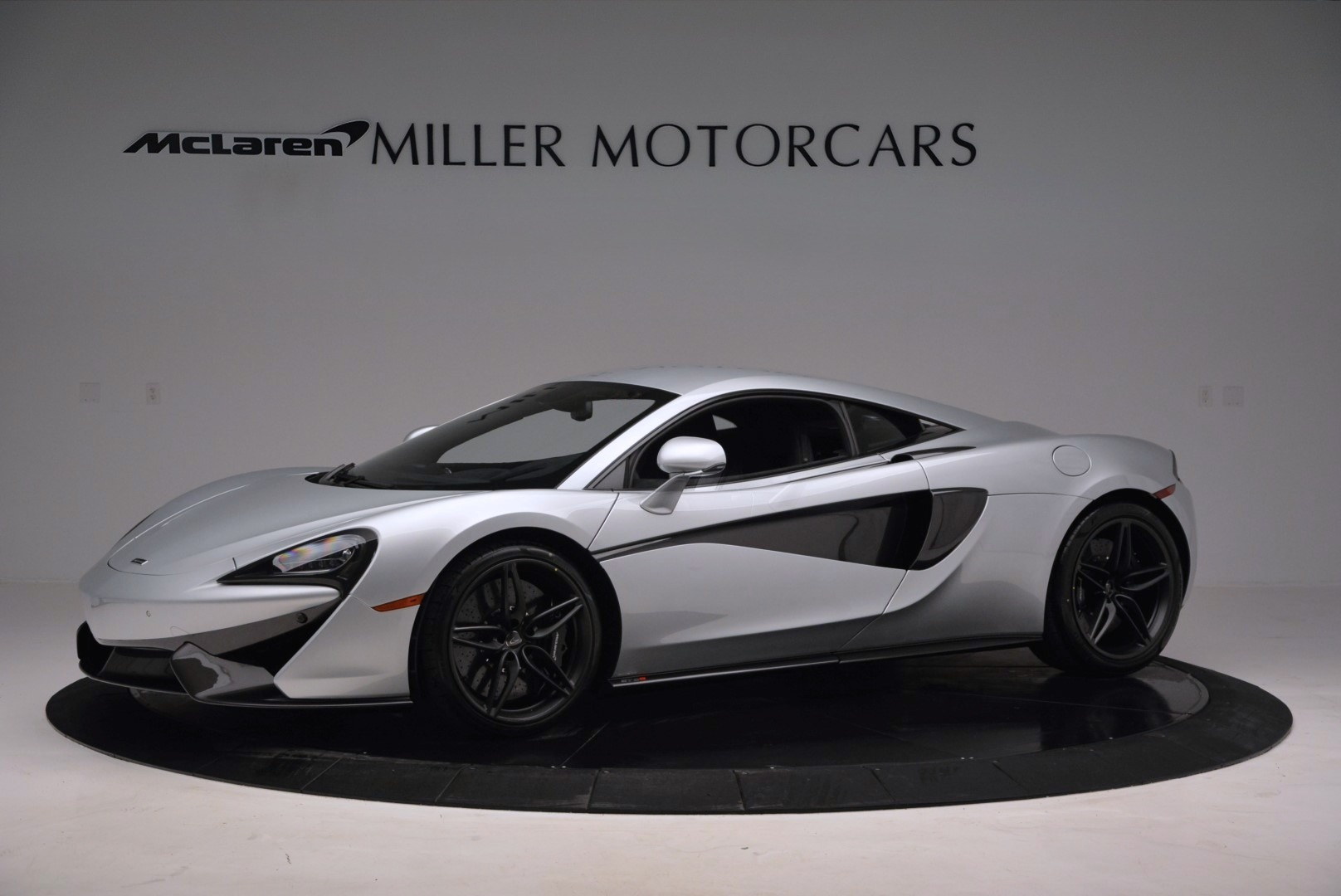 Used 2017 McLaren 570S  For Sale In Greenwich, CT 842_p2