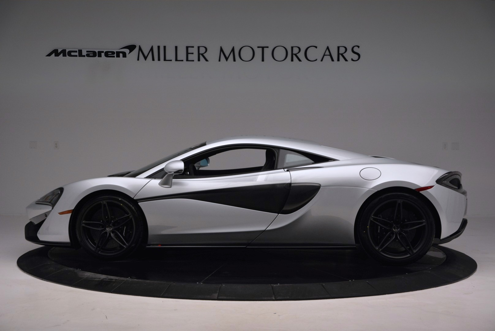 Used 2017 McLaren 570S  For Sale In Greenwich, CT 842_p3