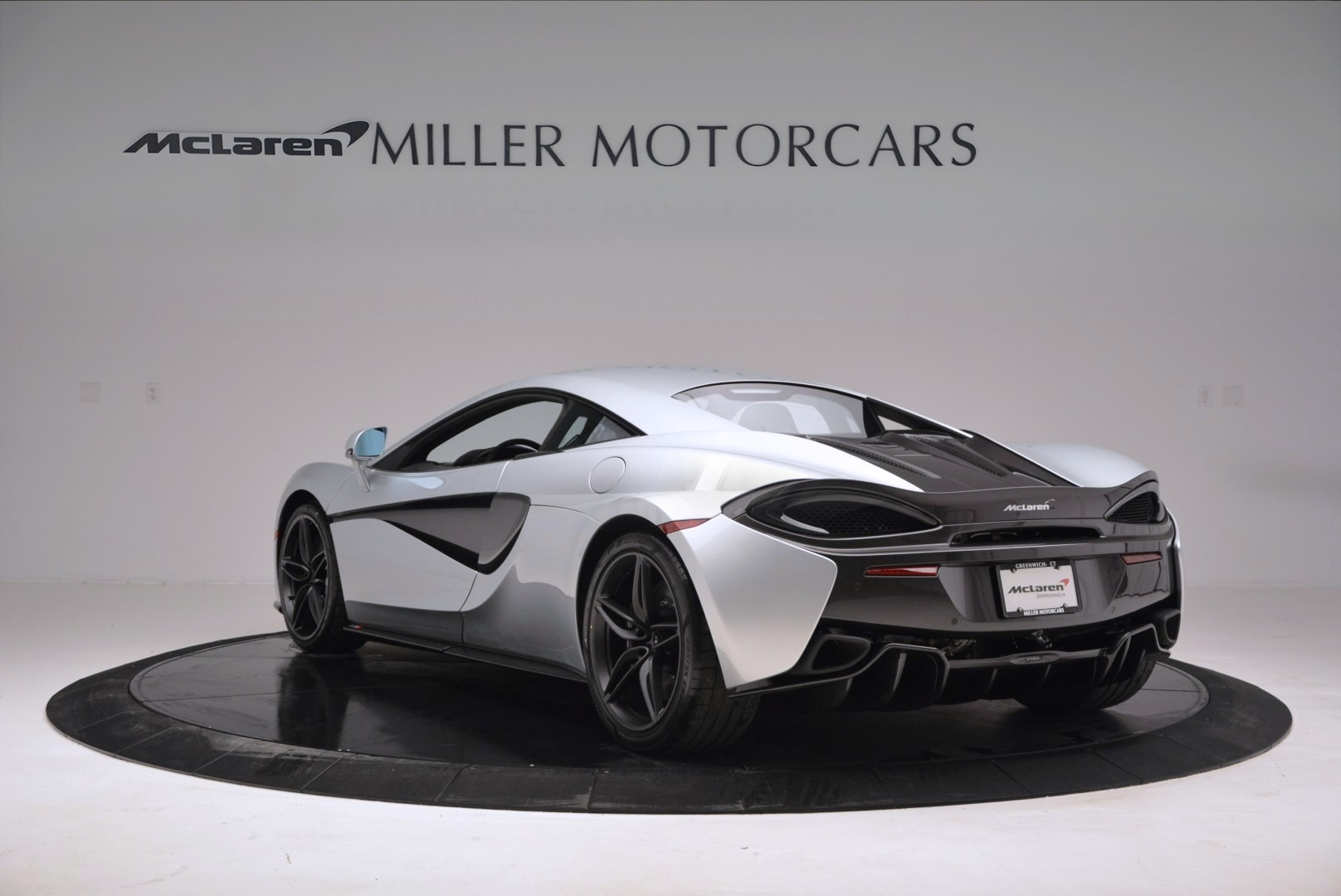 Used 2017 McLaren 570S  For Sale In Greenwich, CT 842_p5