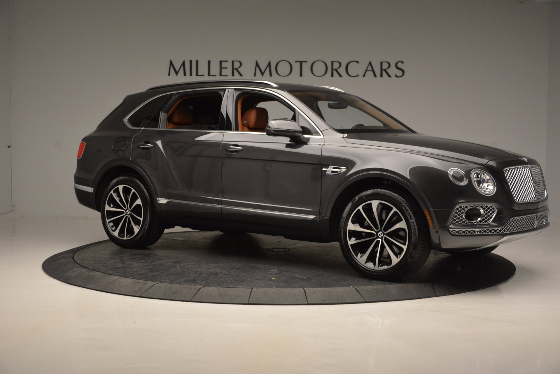 New 2017 Bentley Bentayga  For Sale In Greenwich, CT 852_p10