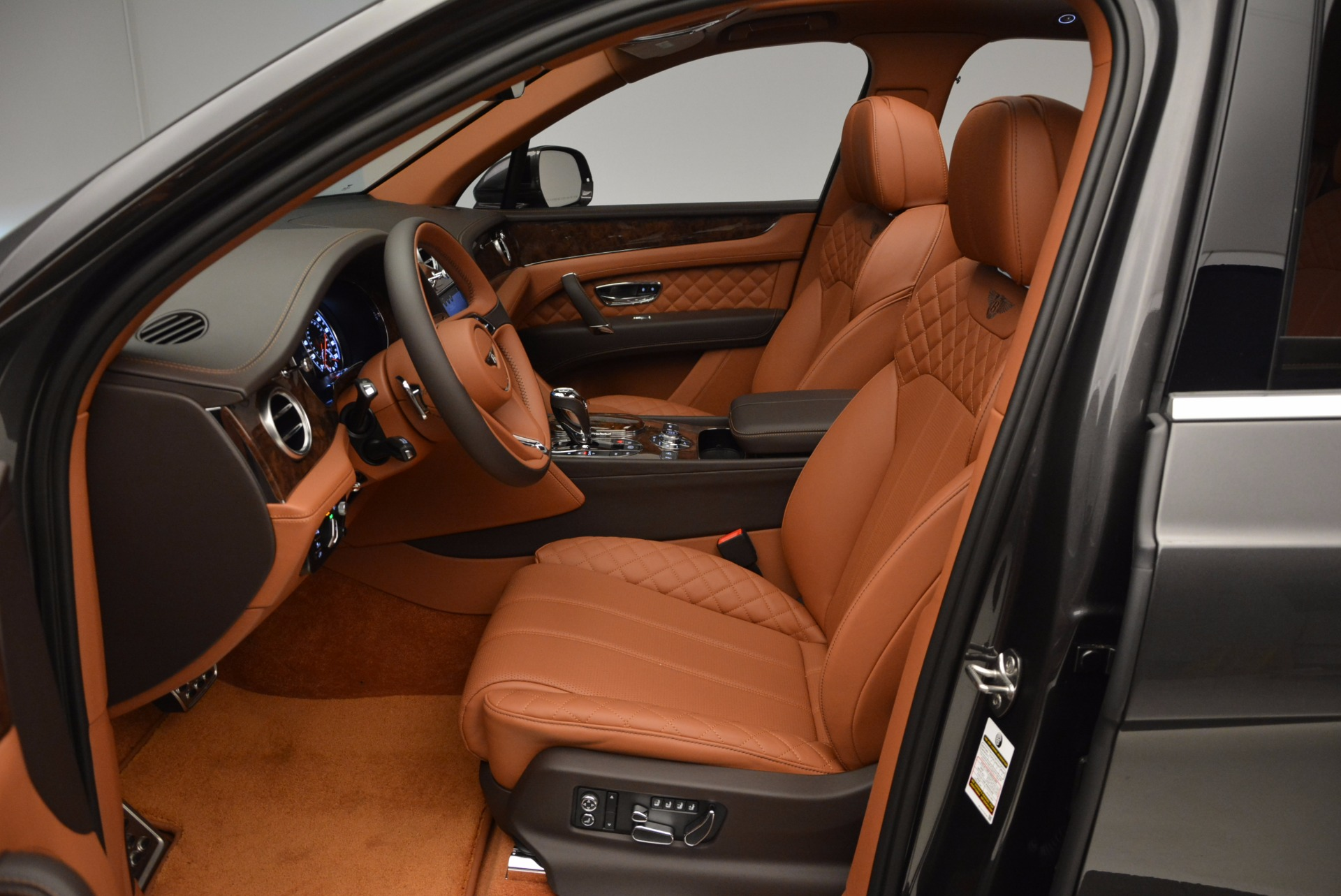 New 2017 Bentley Bentayga  For Sale In Greenwich, CT 852_p25