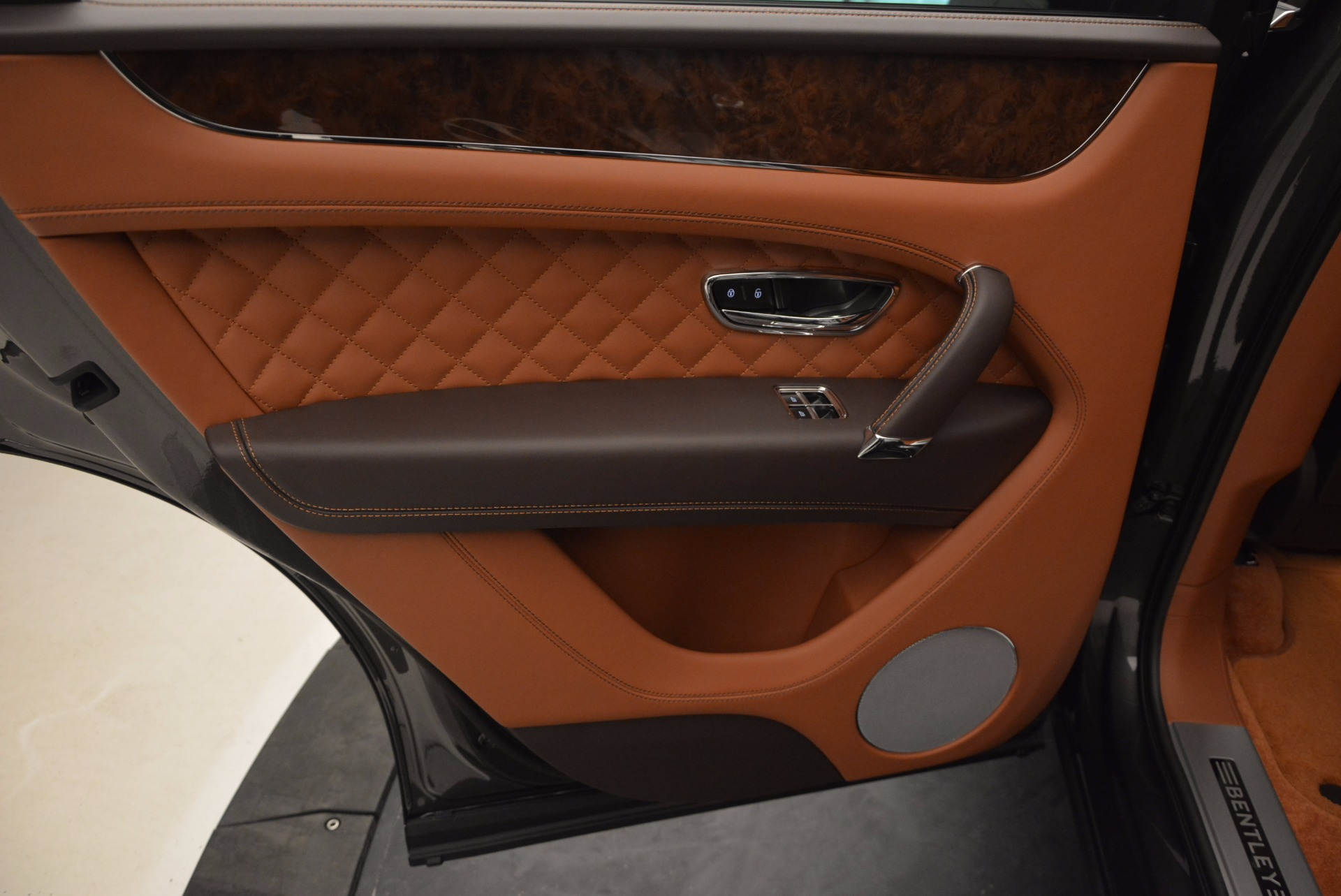 New 2017 Bentley Bentayga  For Sale In Greenwich, CT 852_p30