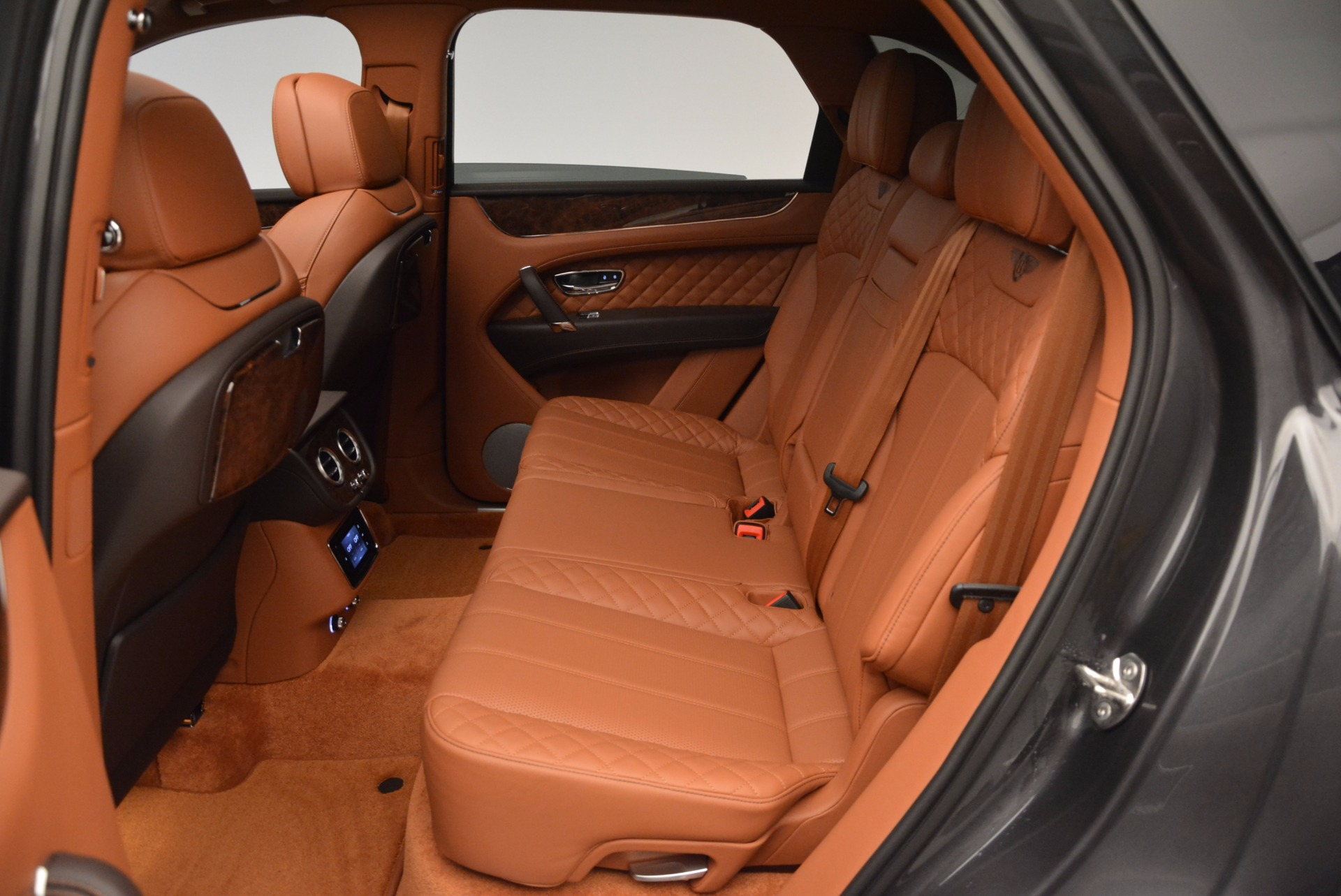 New 2017 Bentley Bentayga  For Sale In Greenwich, CT 852_p32