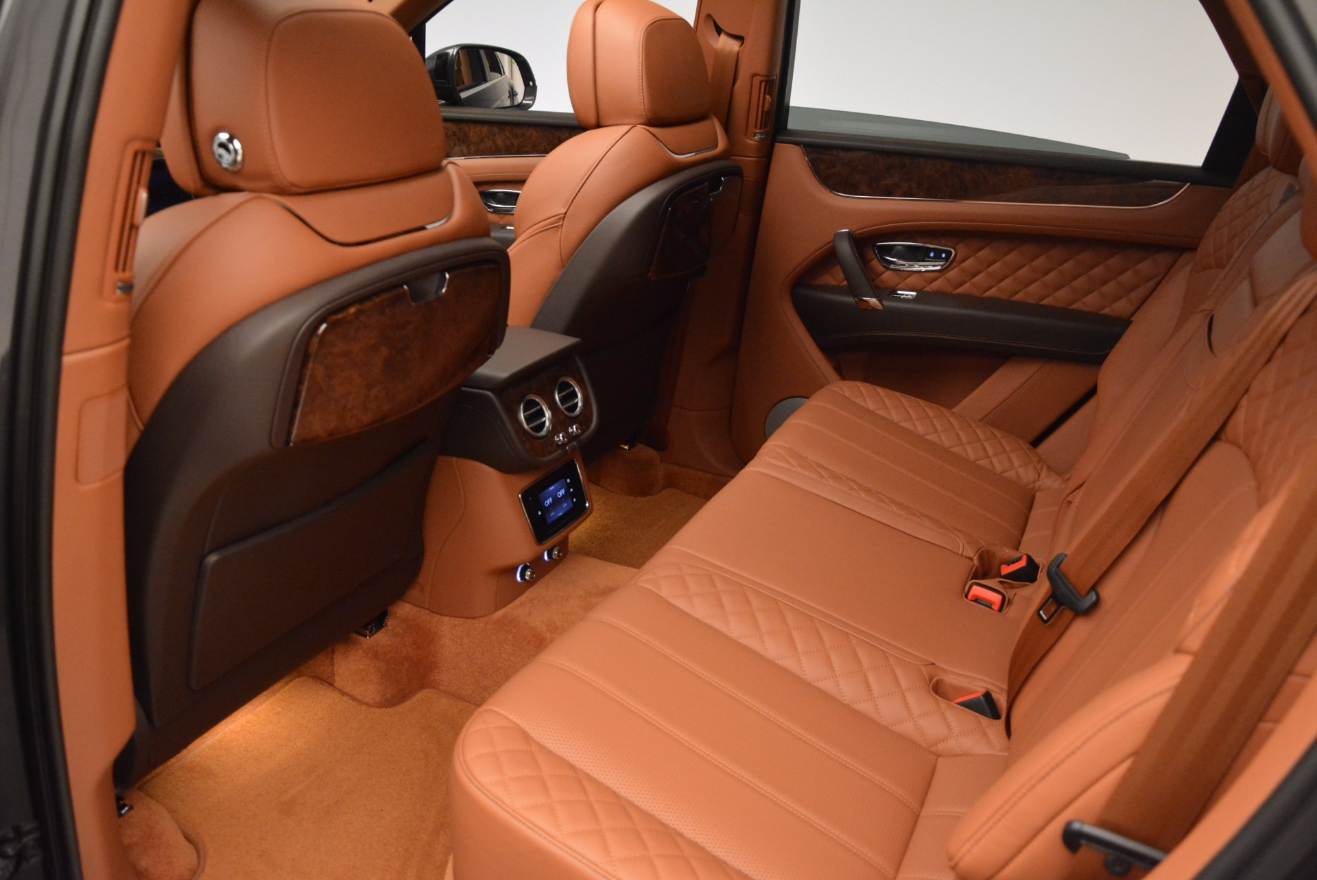 New 2017 Bentley Bentayga  For Sale In Greenwich, CT 852_p33
