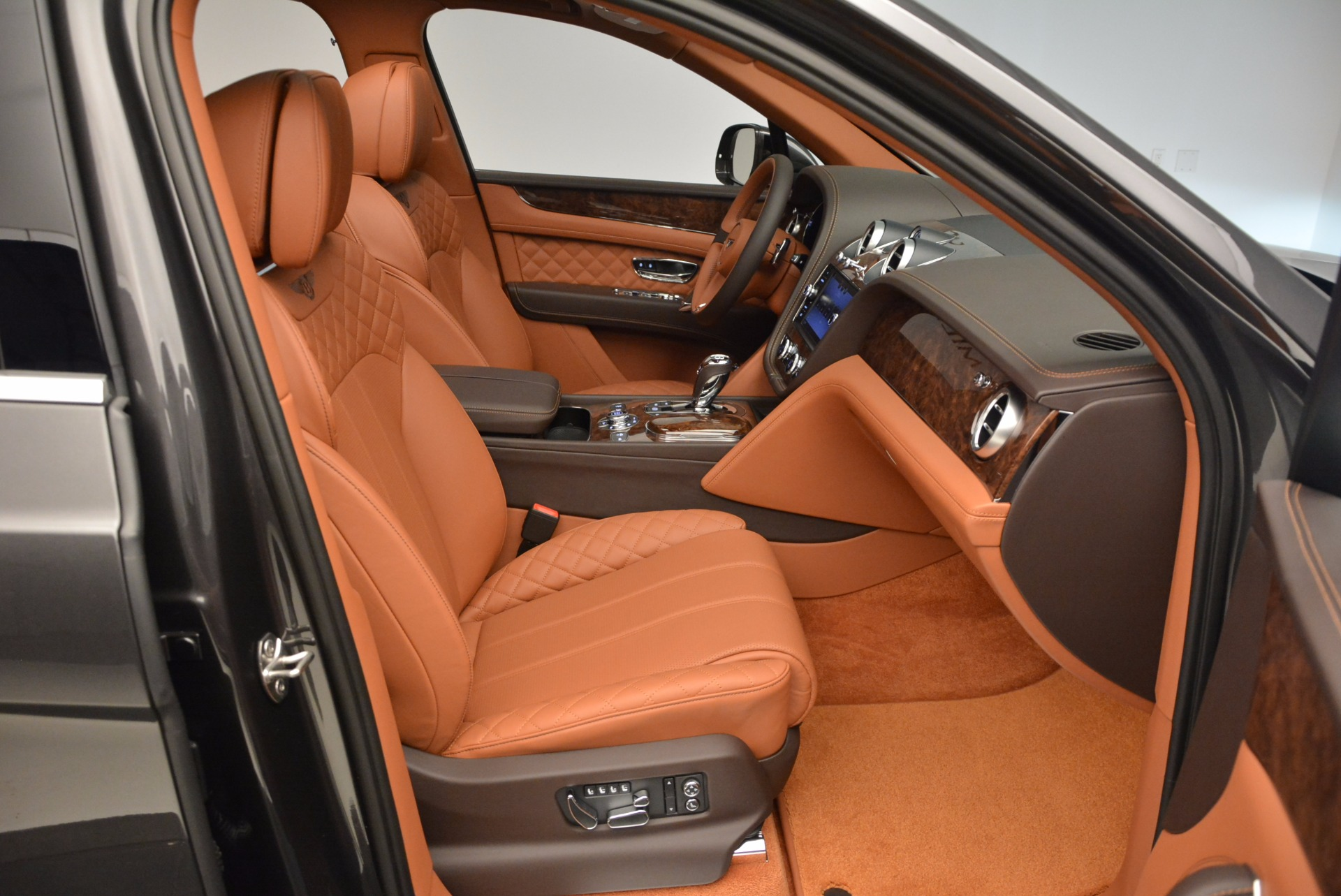 New 2017 Bentley Bentayga  For Sale In Greenwich, CT 852_p42